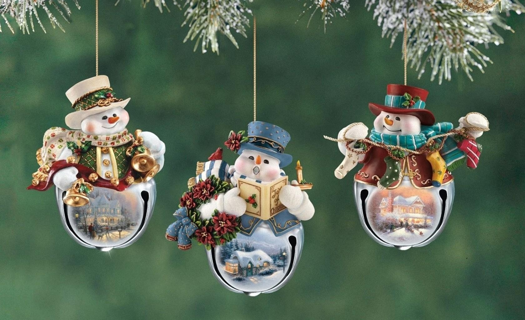 124803 download wallpaper Holidays, New Year, Snowman, Christmas, Holiday, Close-Up, Branch, Christmas Decorations, Christmas Tree Toys screensavers and pictures for free