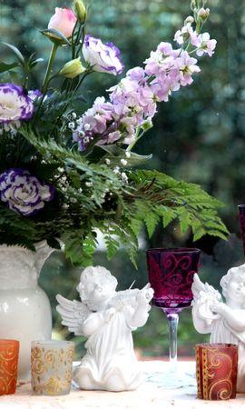 106256 скачать обои Цветы, Лизиантус Рассела, Левкой, Букет, Кувшин, Стаканы, Бокалы, Ангелы - заставки и картинки бесплатно