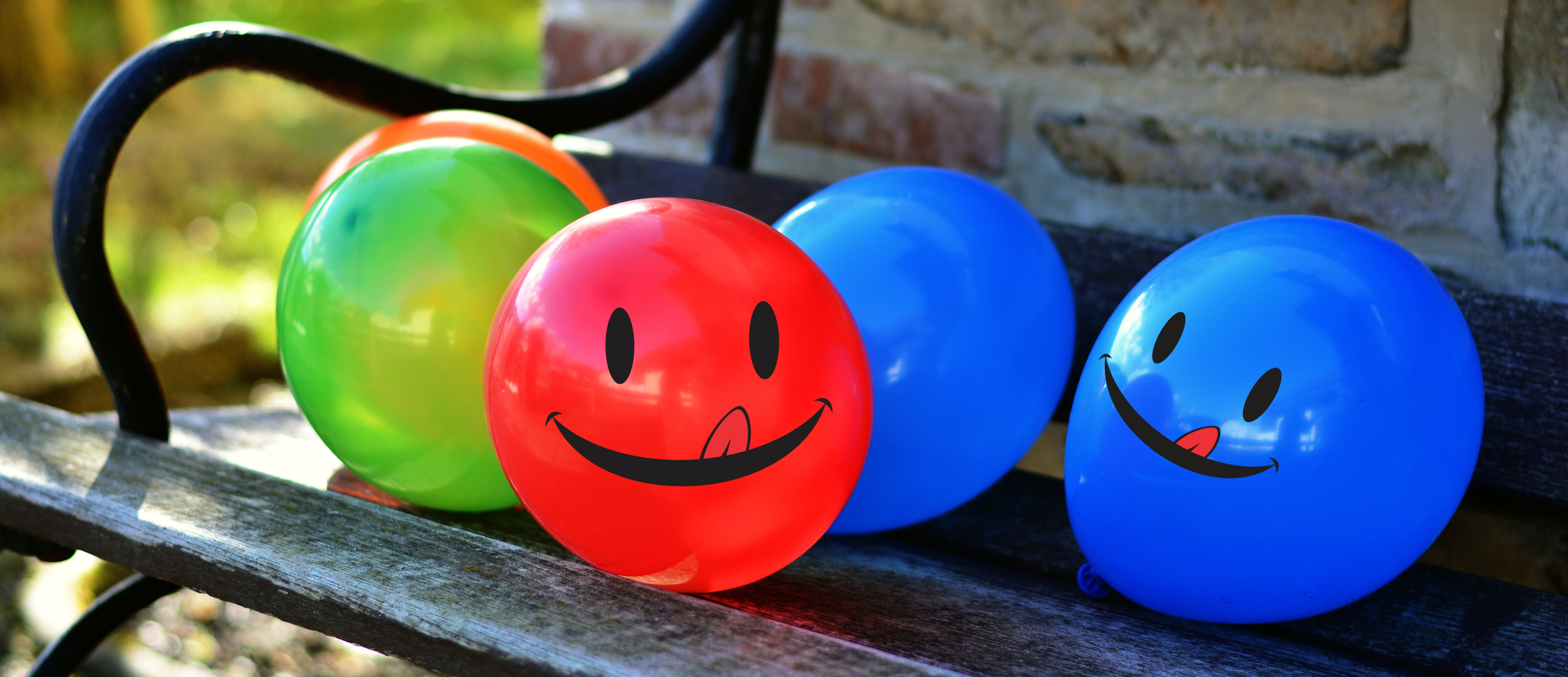 156127 Screensavers and Wallpapers Smile for phone. Download Balloons, Miscellanea, Miscellaneous, Multicolored, Motley, Smile, Emoticon, Smiley, Air Balloons pictures for free