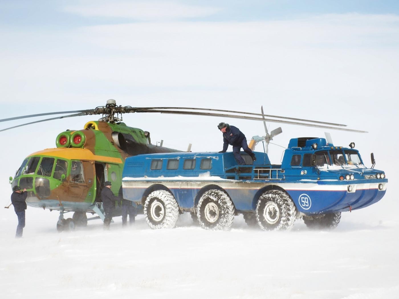 24697 скачать обои Транспорт, Машины, Снег, Вертолеты - заставки и картинки бесплатно