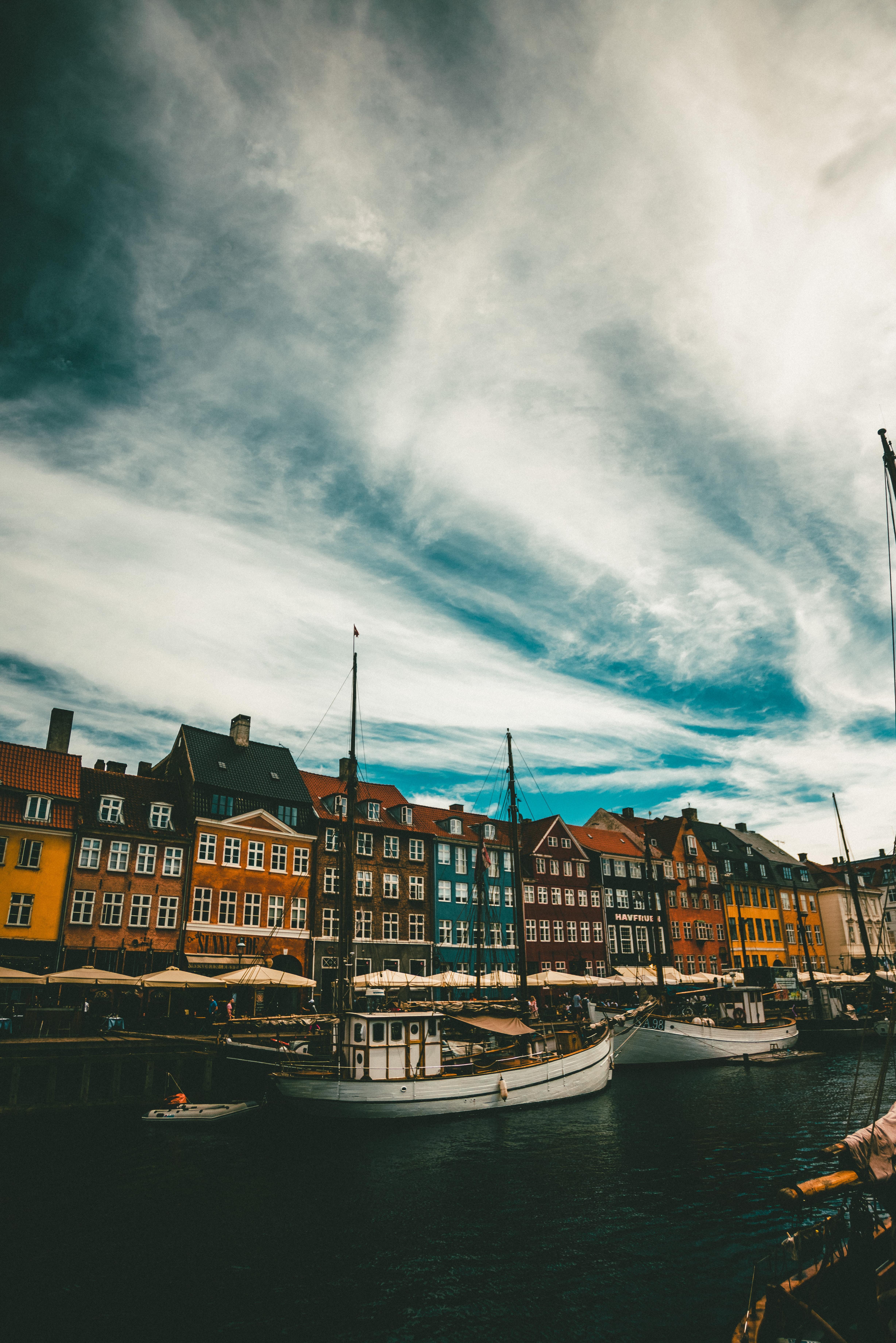 107757 Заставки и Обои Лодки на телефон. Скачать Лодки, Здания, Море, Копенгаген, Дания, Города картинки бесплатно