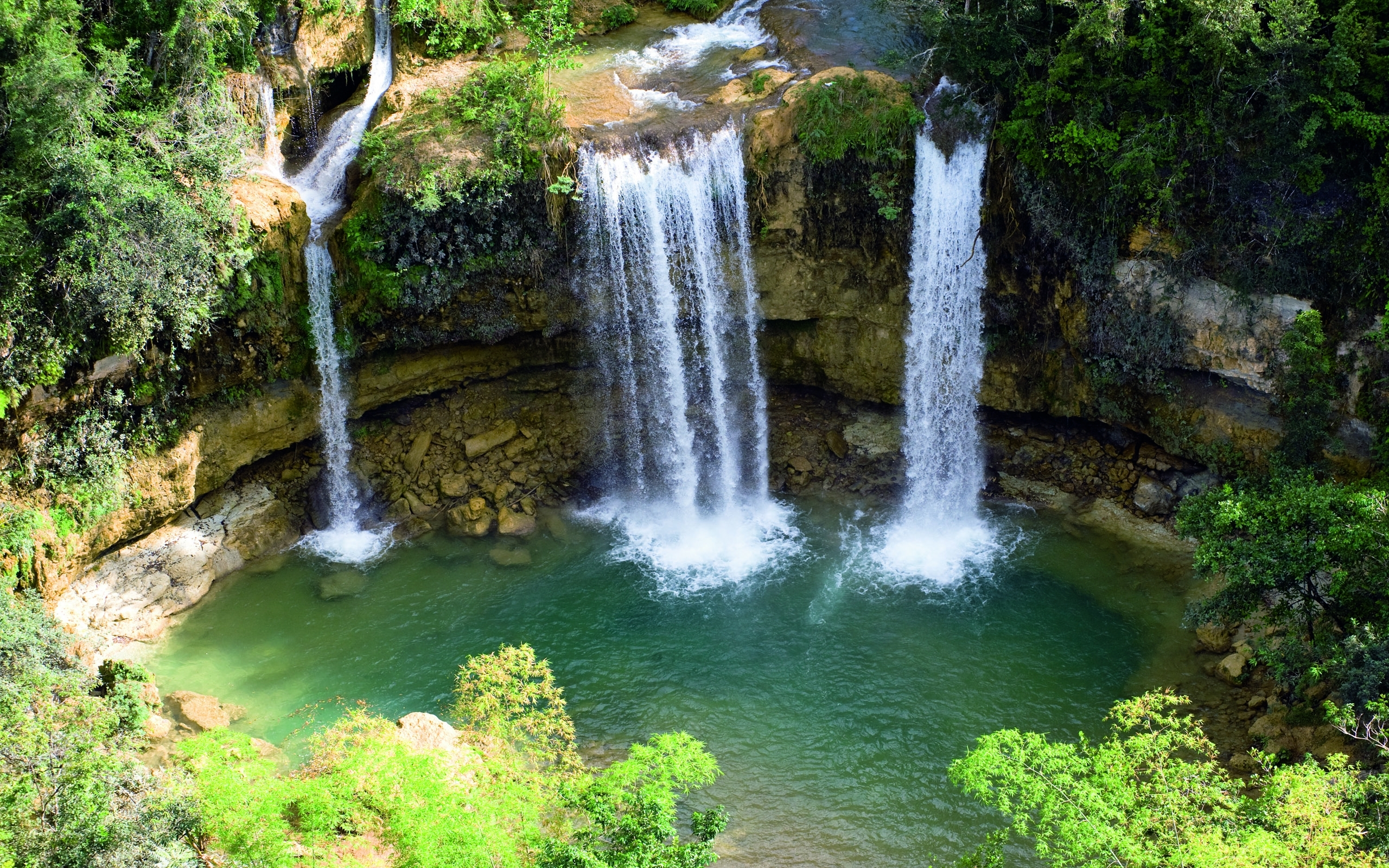 30531 download wallpaper Waterfalls, Landscape screensavers and pictures for free