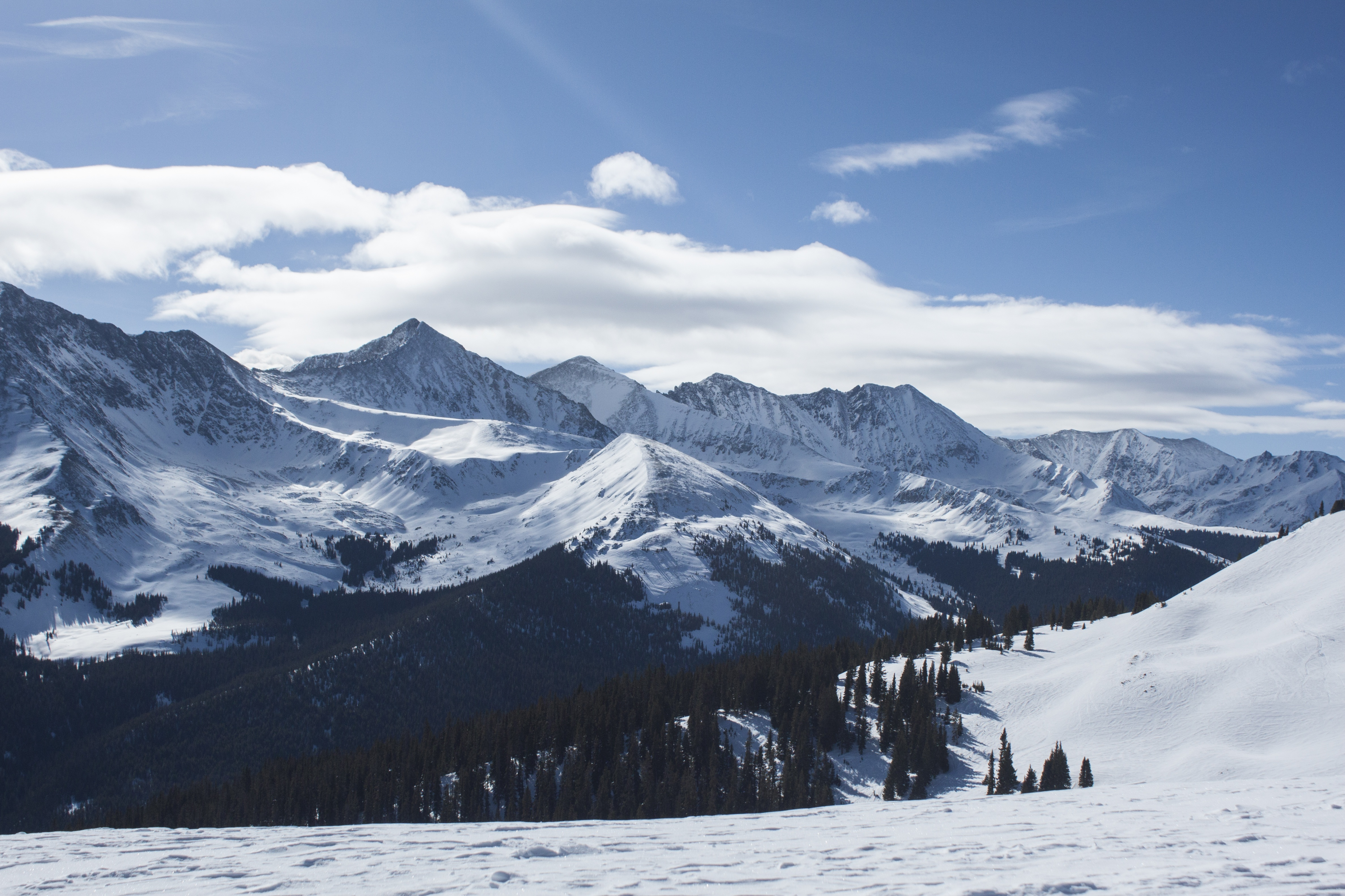 118083 download wallpaper Nature, Mountains, Snow, Vertex, Top, Alps screensavers and pictures for free