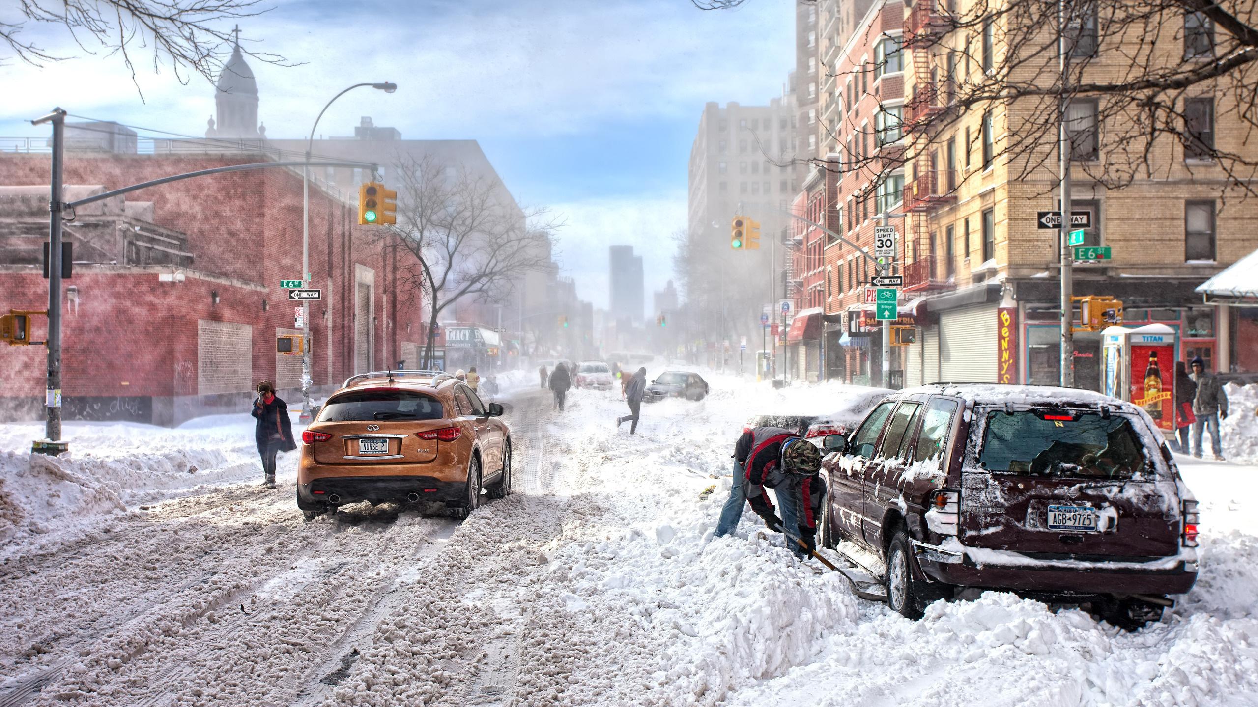 Скачать картинку Транспорт, Пейзаж, Города, Машины, Зима, Снег в телефон бесплатно.