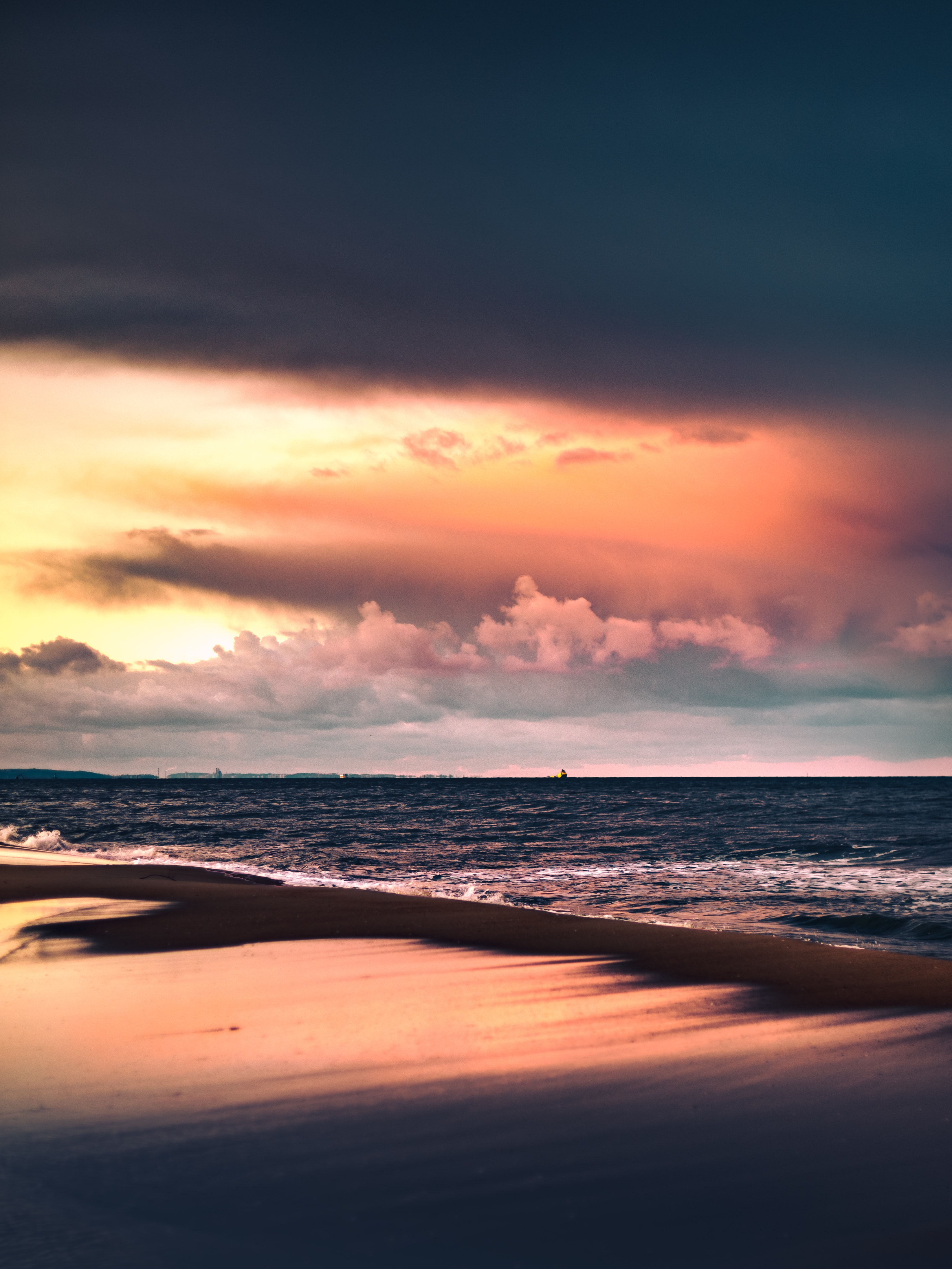 143204 download wallpaper Nature, Sea, Beach, Sunset, Dusk, Twilight screensavers and pictures for free