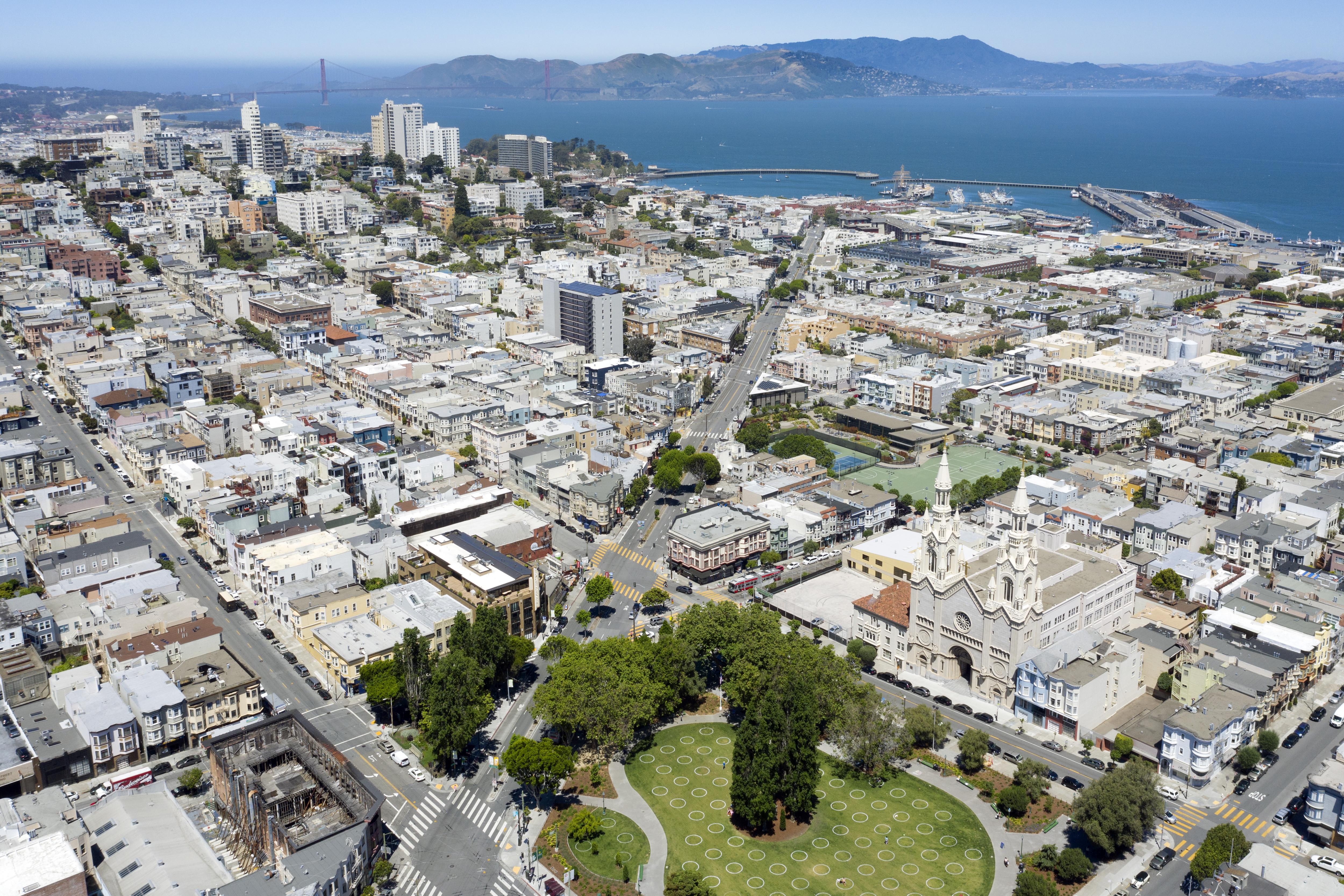 72660壁紙のダウンロード市, 都市, 建物, ルーフ, 屋根, 海-スクリーンセーバーと写真を無料で