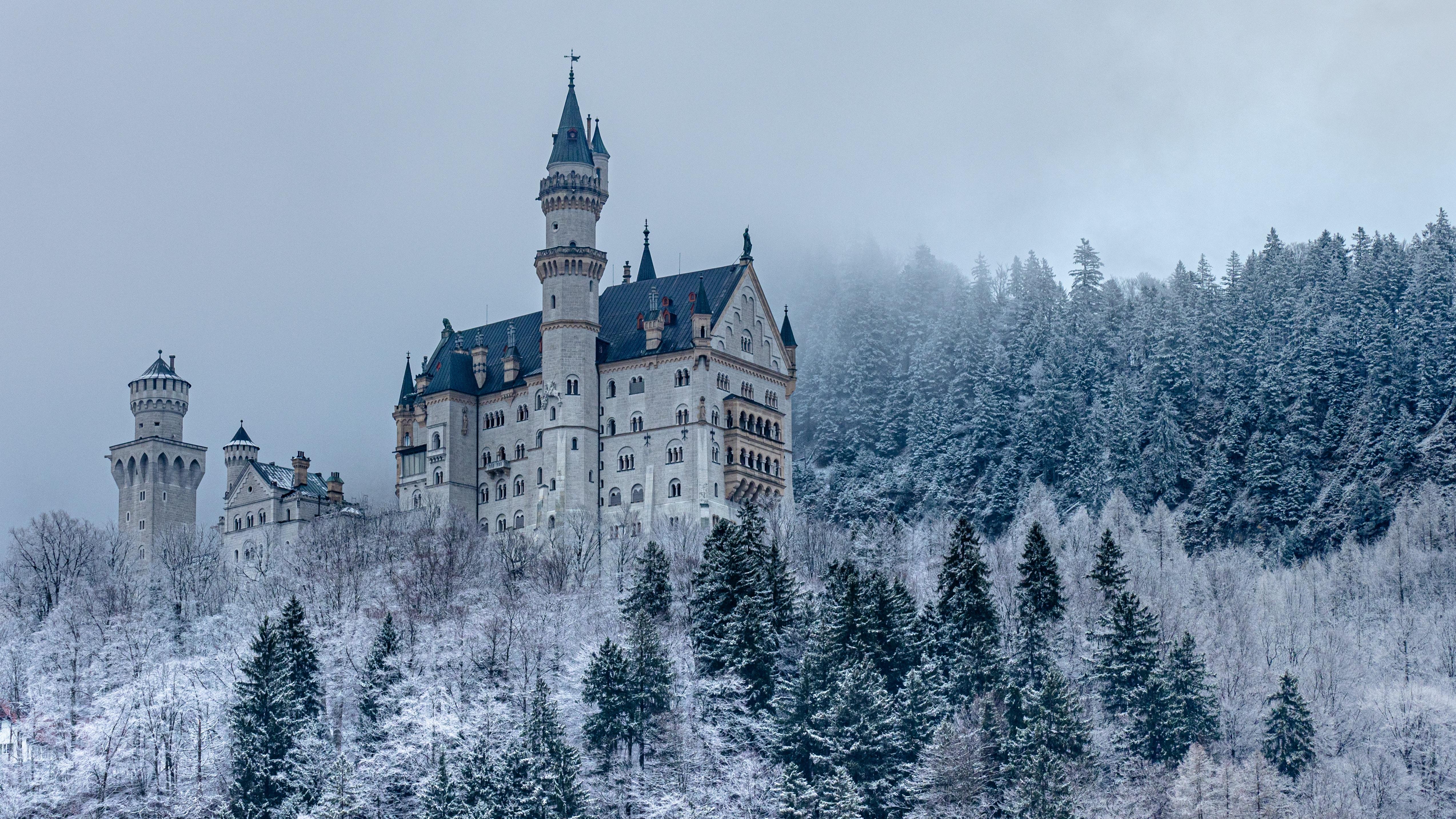 52769 скачать обои Архитектура, Зима, Снег, Замок, Разное, Лес - заставки и картинки бесплатно