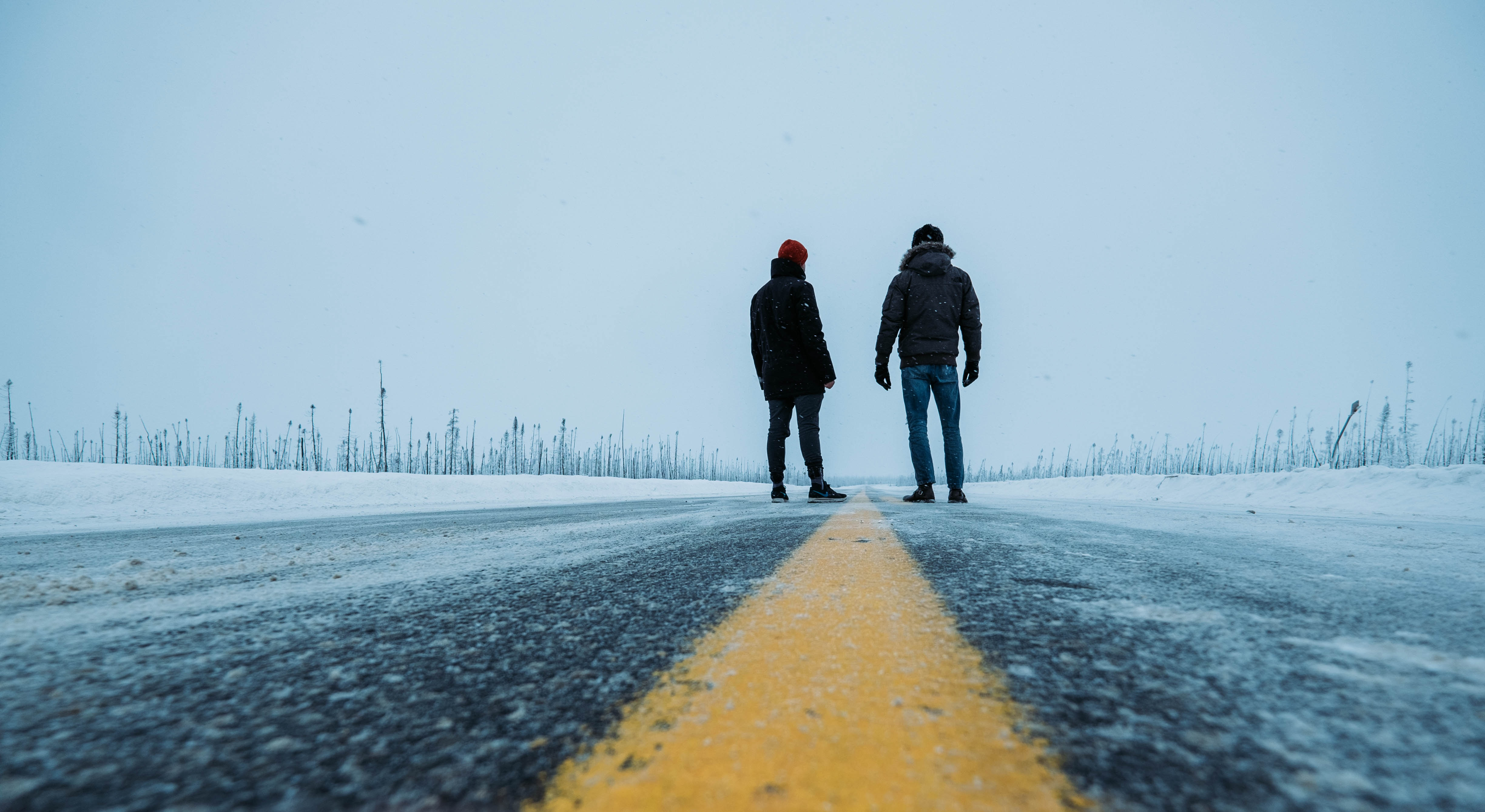 72233 download wallpaper Miscellanea, Miscellaneous, Road, People, Snow, Winter screensavers and pictures for free