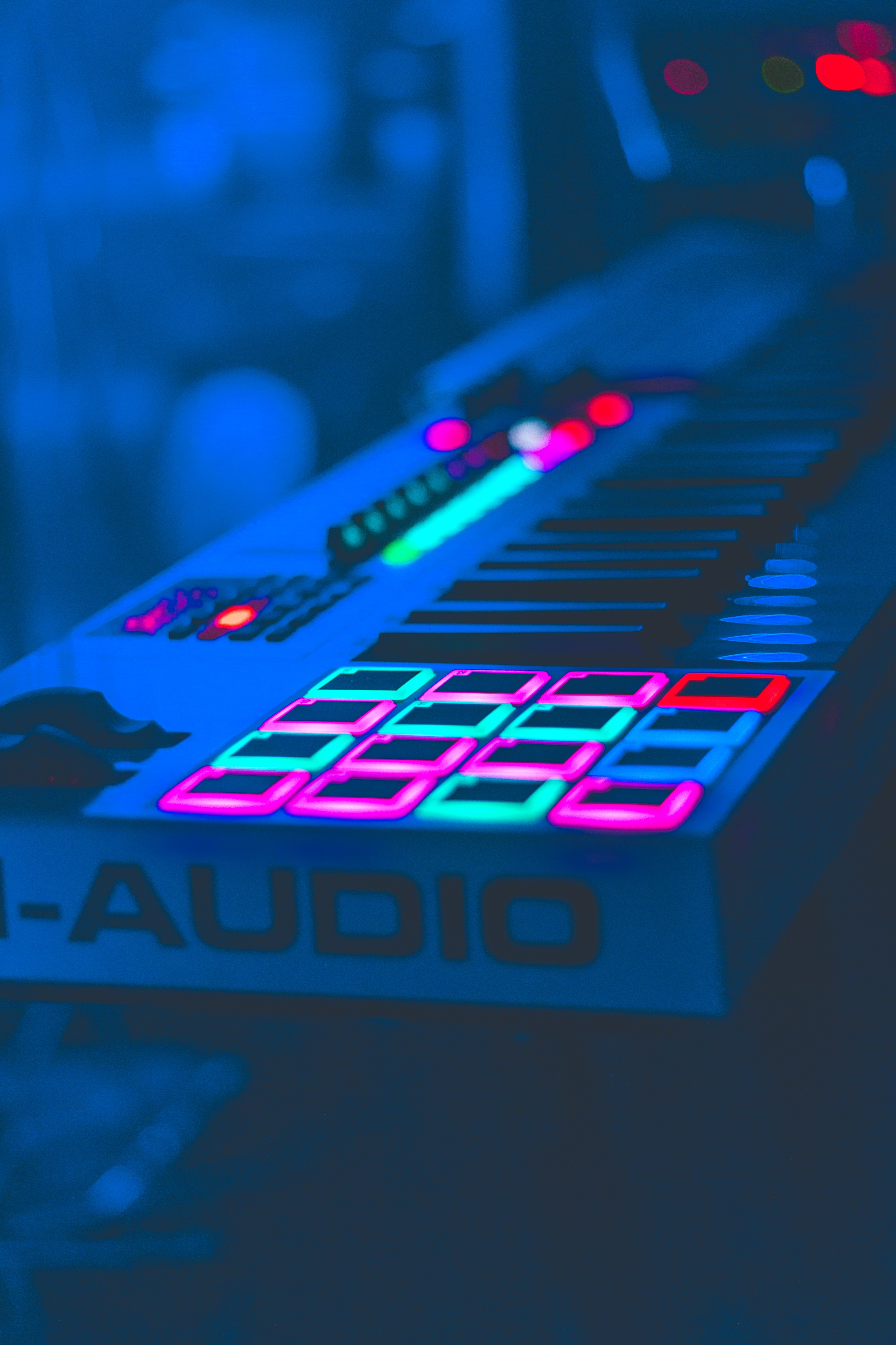 155034 download wallpaper Music, Neon, Keys, Equipment, Apparatus, Audio screensavers and pictures for free