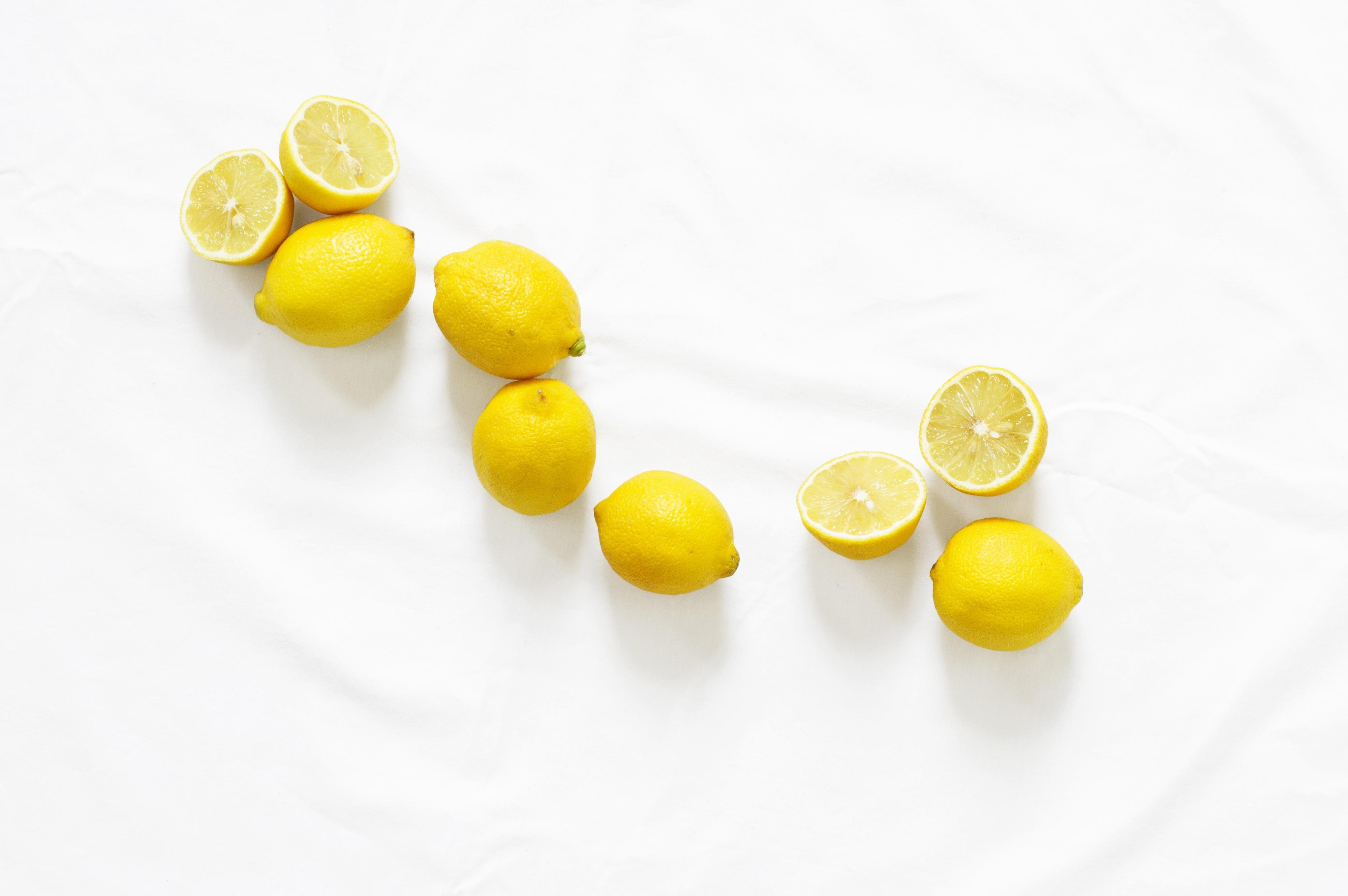 121500 скачать обои Минимализм, Лимоны, Цитрус, Сочный - заставки и картинки бесплатно