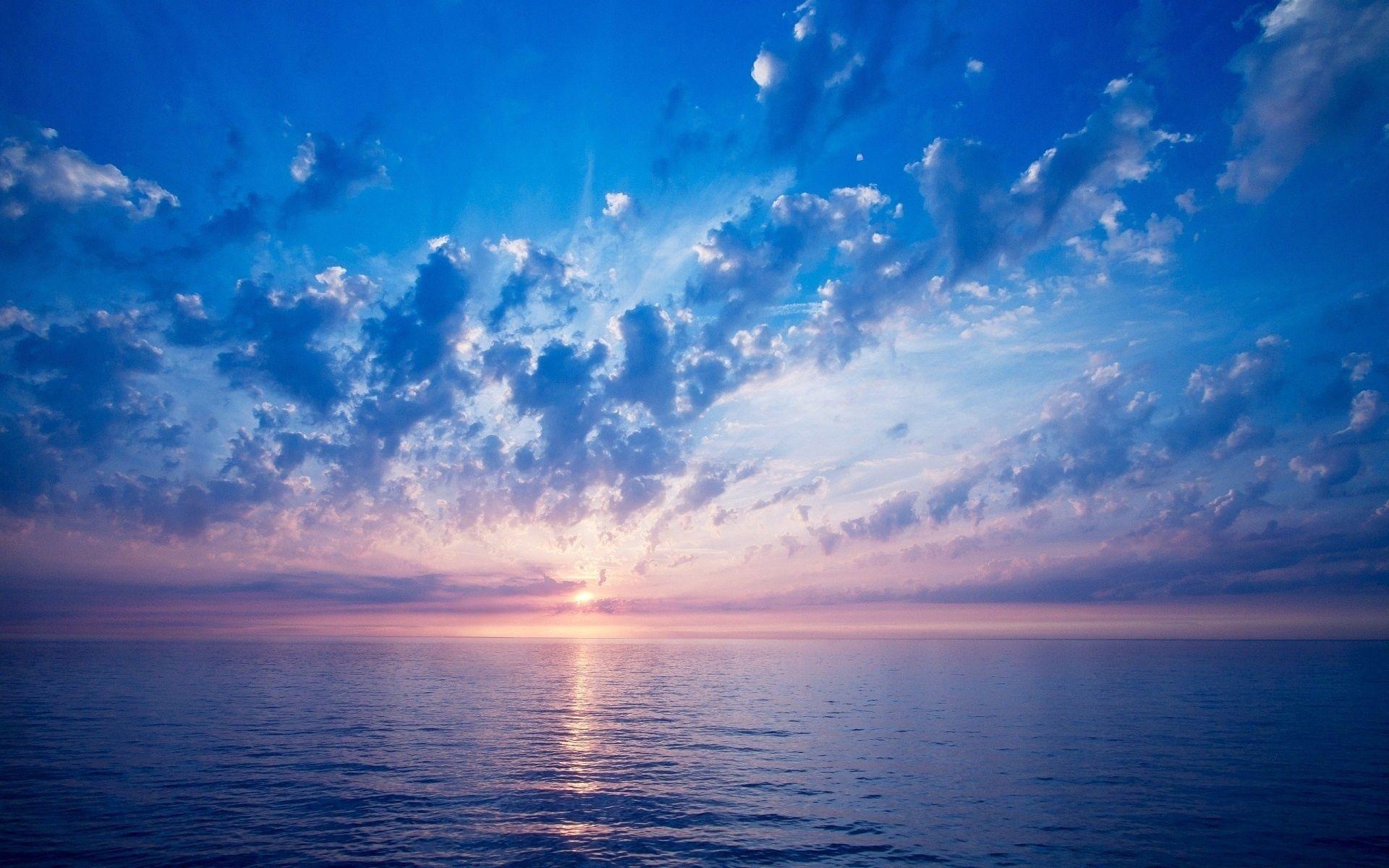 140817 скачать обои Облака, Природа, Солнце, Небо, Море, Горизонт, Вечер, Оттенки, Воздушные, Штиль - заставки и картинки бесплатно