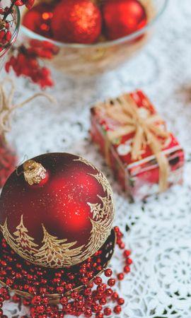 107236 скачать обои Праздники, Рождественские Украшения, Шар, Свеча, Подарок - заставки и картинки бесплатно