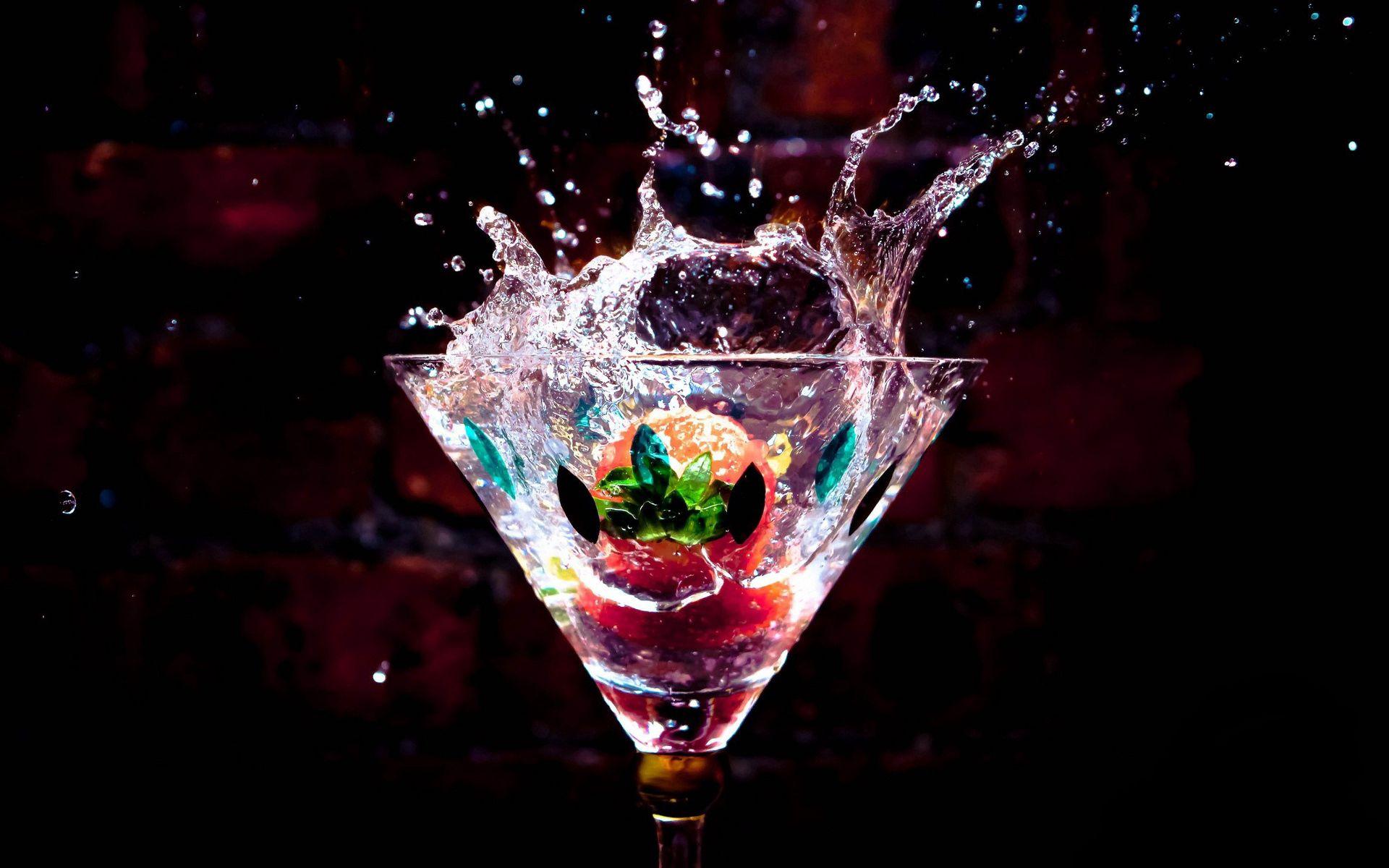 107779 Hintergrundbild herunterladen Wasser, Lebensmittel, Getränke, Drops, Flüssigkeit, Trinken, Weinglas, Goblet - Bildschirmschoner und Bilder kostenlos