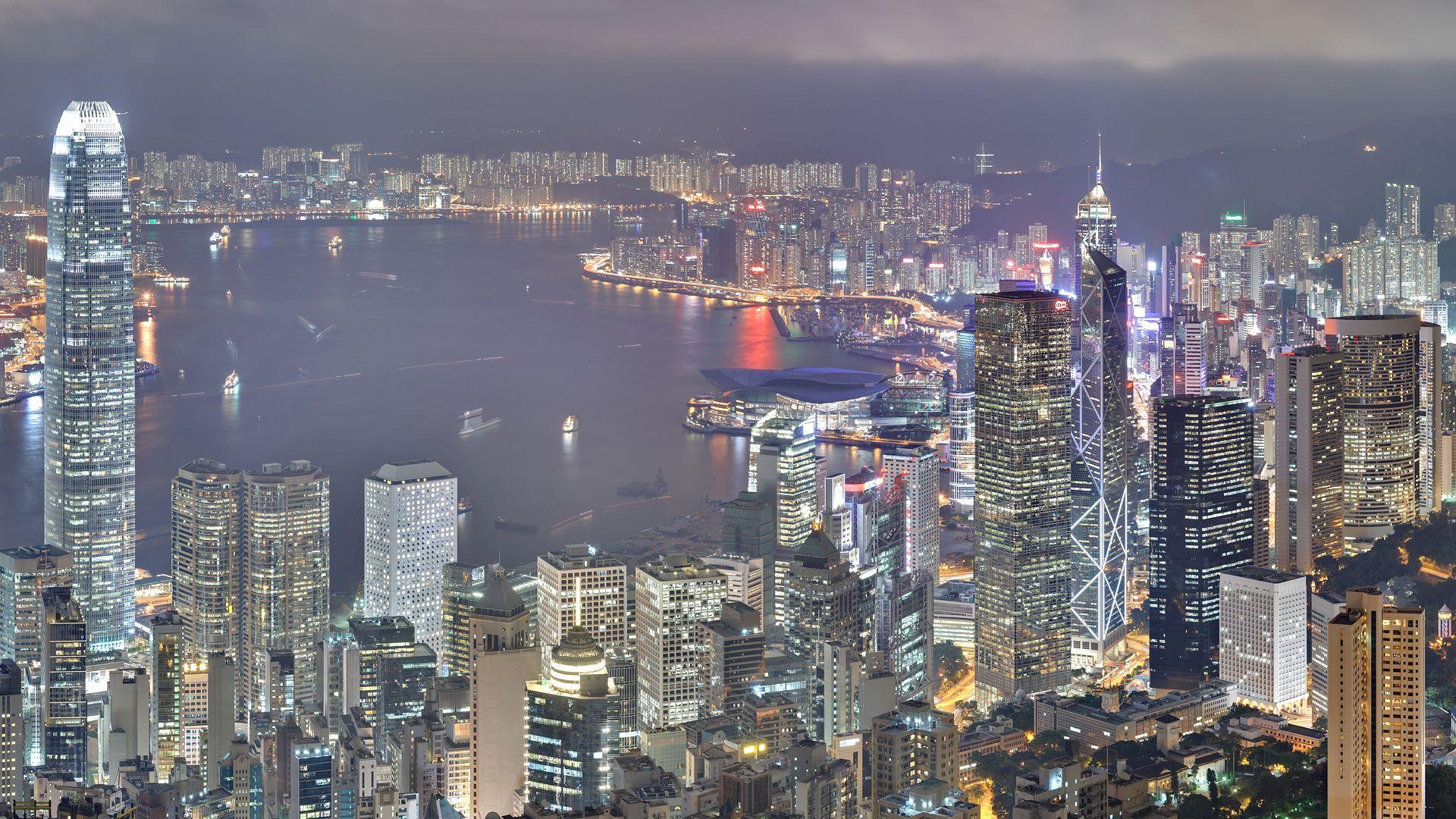 88646 скачать обои Гонконг, Небоскребы, Ночь, Свет, Здания, Города - заставки и картинки бесплатно