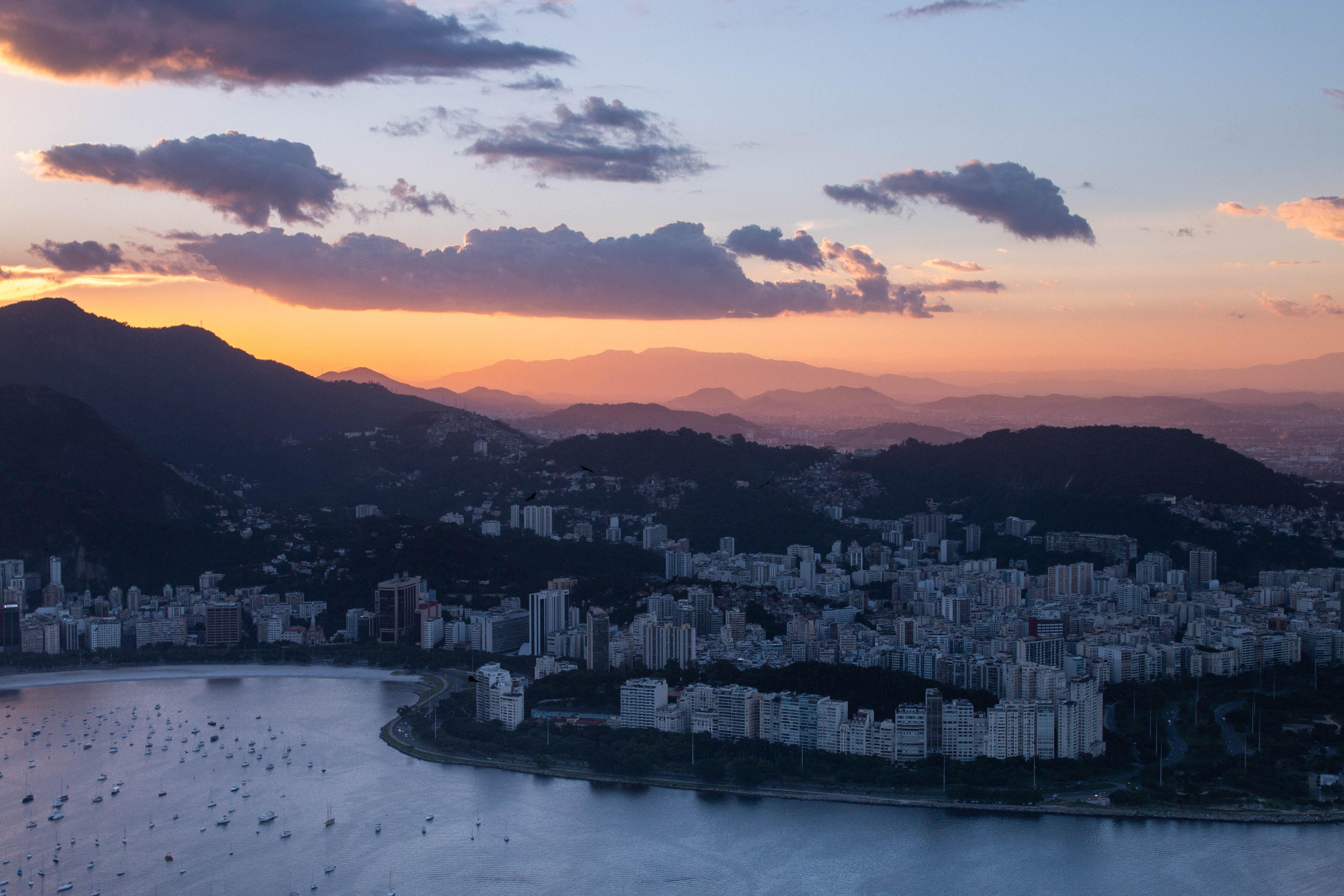 129837 Hintergrundbild 128x160 kostenlos auf deinem Handy, lade Bilder Städte, Clouds, Stadt, Blick Von Oben, Rio De Janeiro, Brasilien, Brazilien 128x160 auf dein Handy herunter