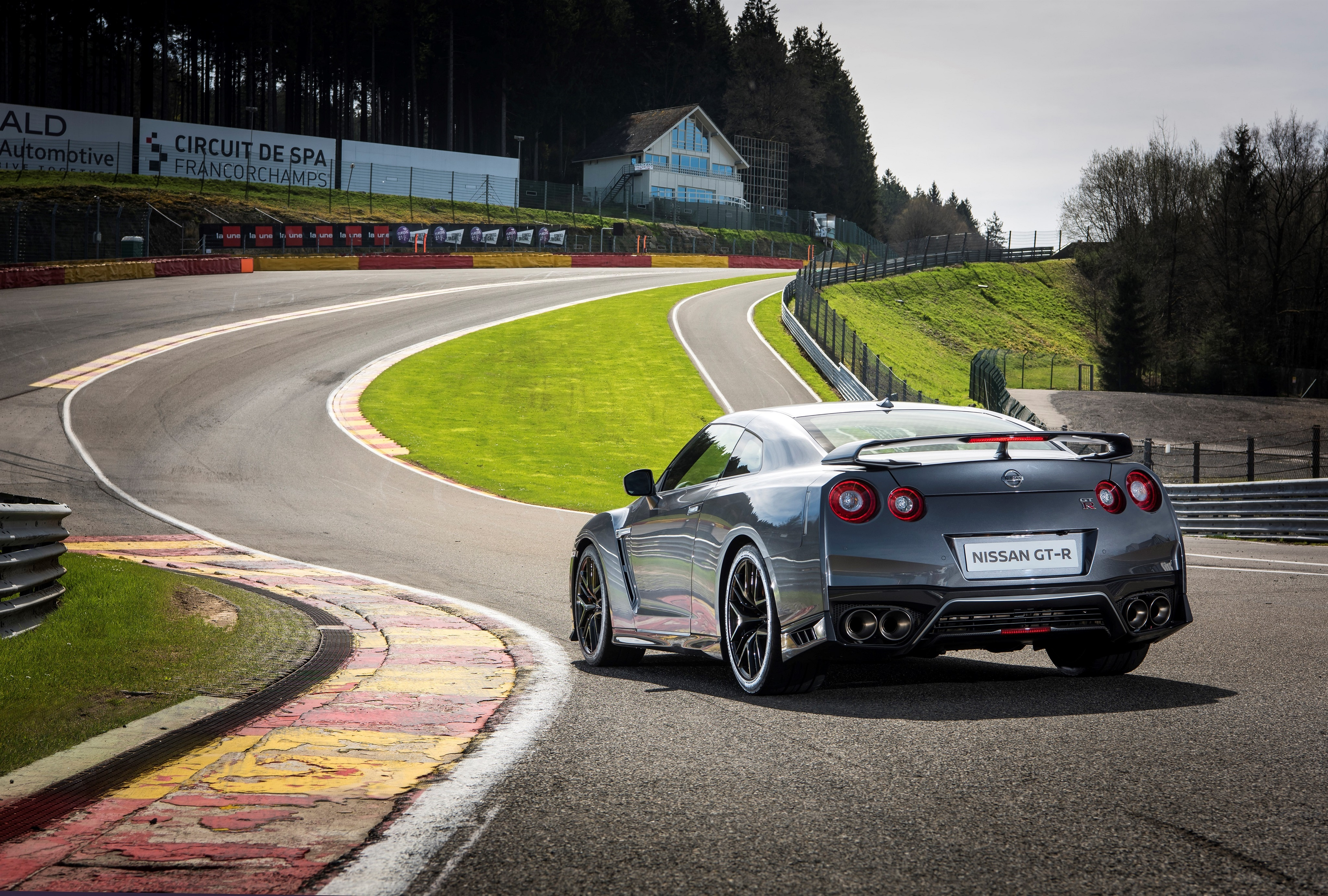 122717 download wallpaper Nissan, Cars, Back View, Rear View, Gt-R screensavers and pictures for free