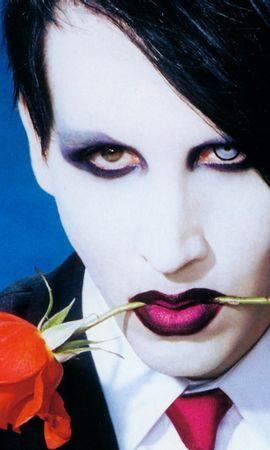 13413 скачать обои Музыка, Люди, Розы, Артисты, Мужчины, Мэрилин Мэнсон (Marilyn Manson) - заставки и картинки бесплатно