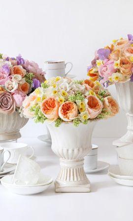 61052 télécharger le fond d'écran Fleurs, Renoncule, Ranunkulus, Vase, Vases, Porcelaine, Roses, Narcisses, Bouquets - économiseurs d'écran et images gratuitement
