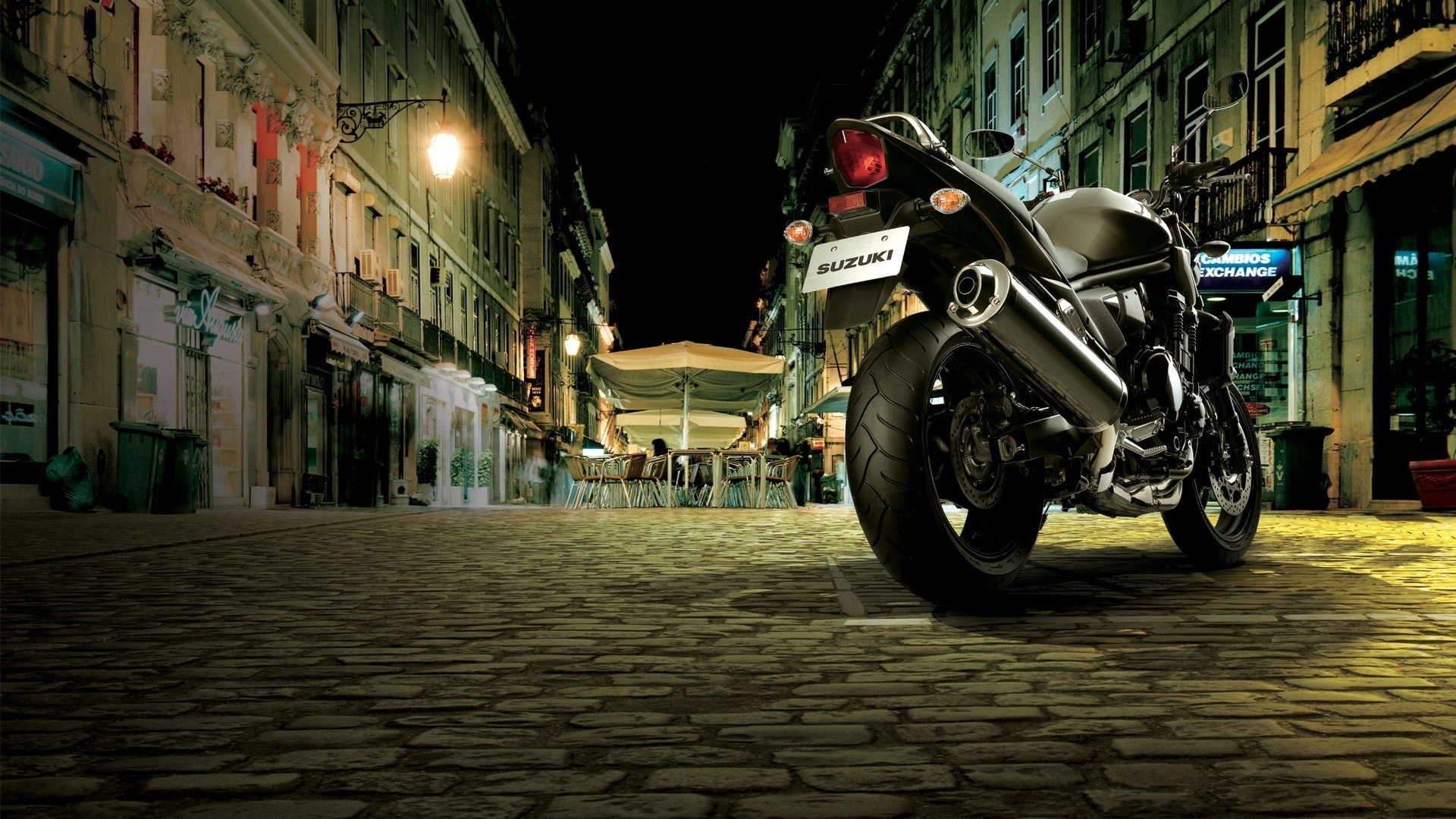 25761 скачать обои Транспорт, Города, Ночь, Мотоциклы, Сузуки (Suzuki) - заставки и картинки бесплатно
