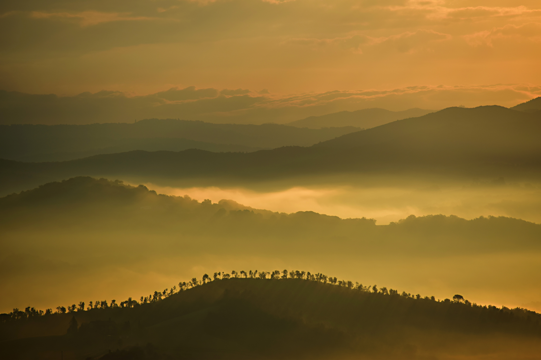 78168 скачать обои Природа, Холмы, Туман, Облака, Деревья, Небо, Горы - заставки и картинки бесплатно