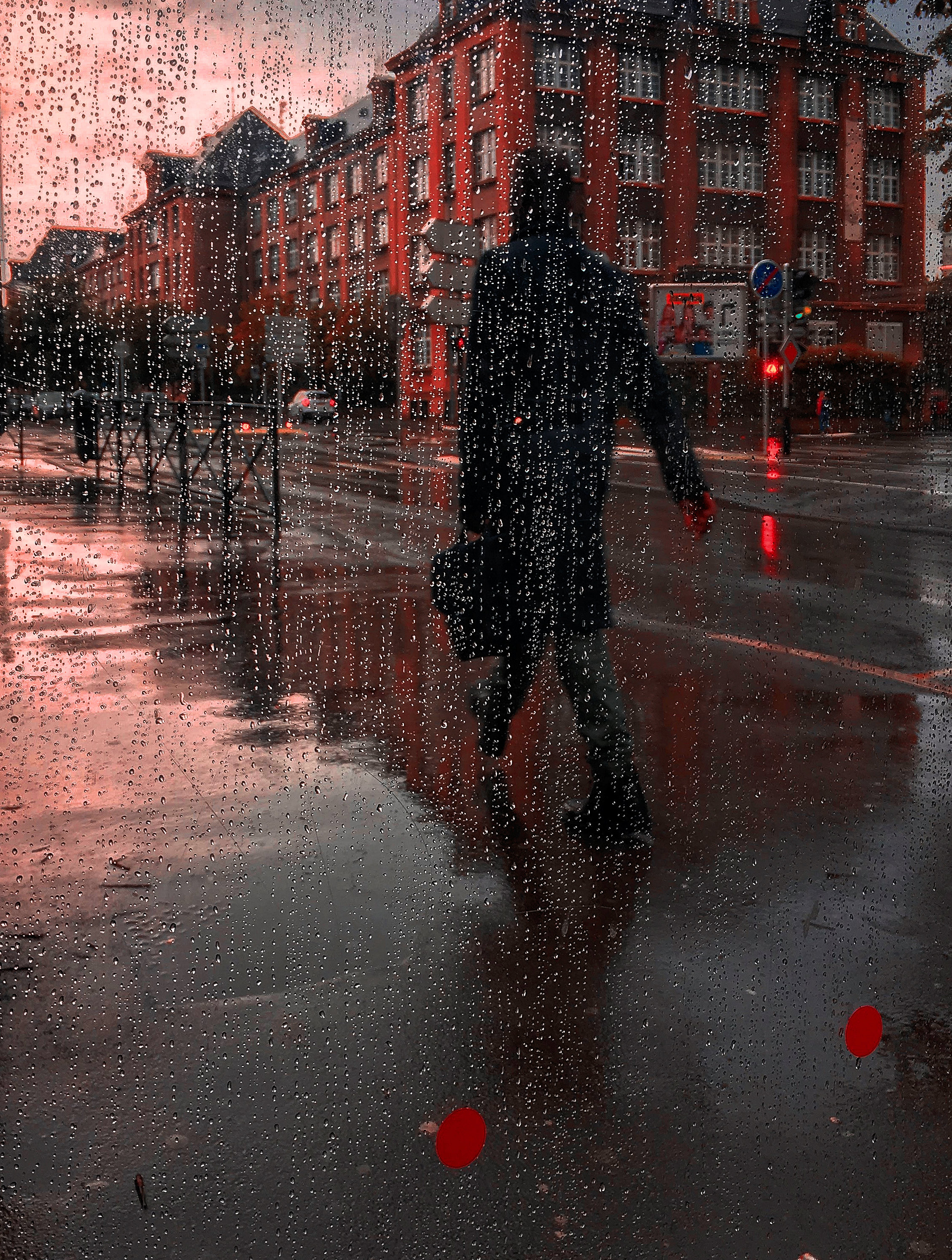147155 Screensavers and Wallpapers Wet for phone. Download Miscellaneous, Rain, Drops, City, Silhouette, Miscellanea, Wet pictures for free