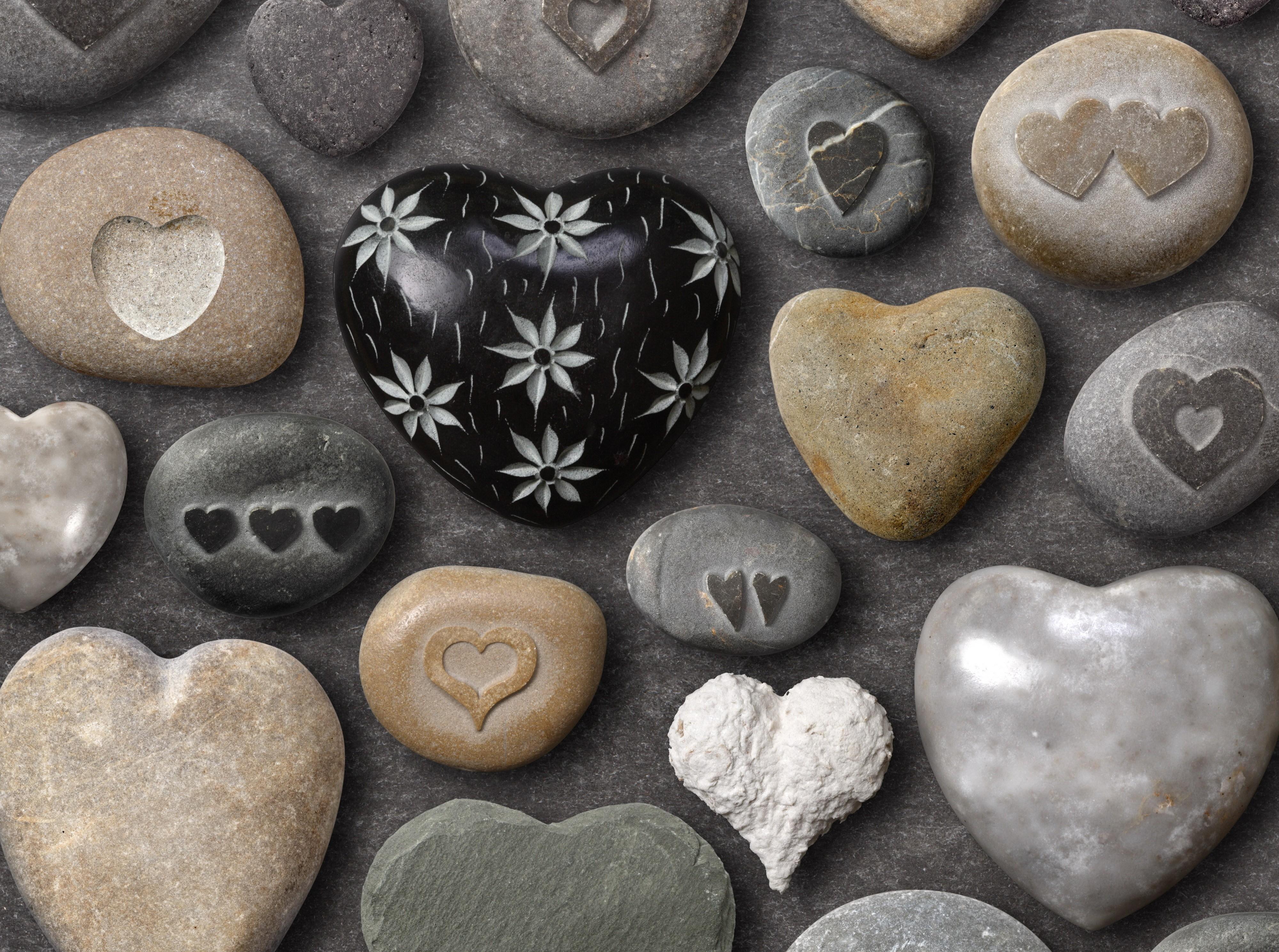 129705 Hintergrundbild herunterladen Herzen, Stones, Liebe, Attribute, Kunsthandwerk, Handwerk - Bildschirmschoner und Bilder kostenlos