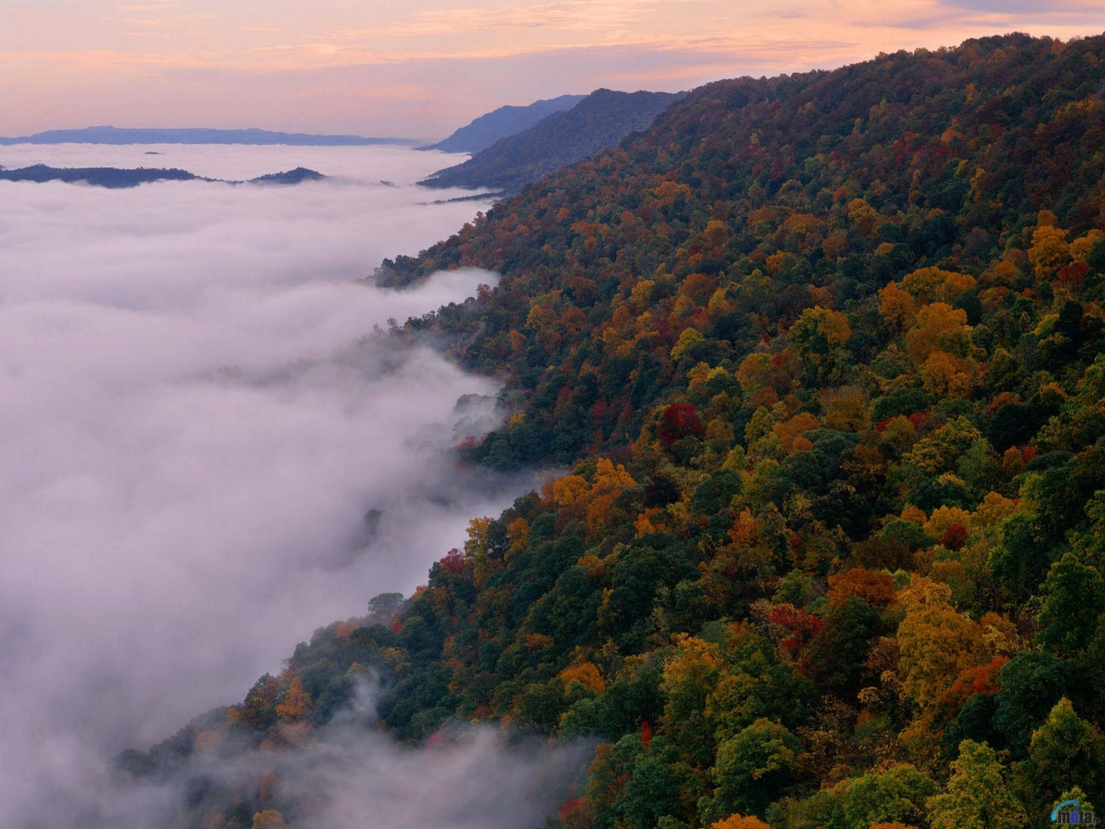 1021 download wallpaper Landscape, Mountains, Autumn screensavers and pictures for free