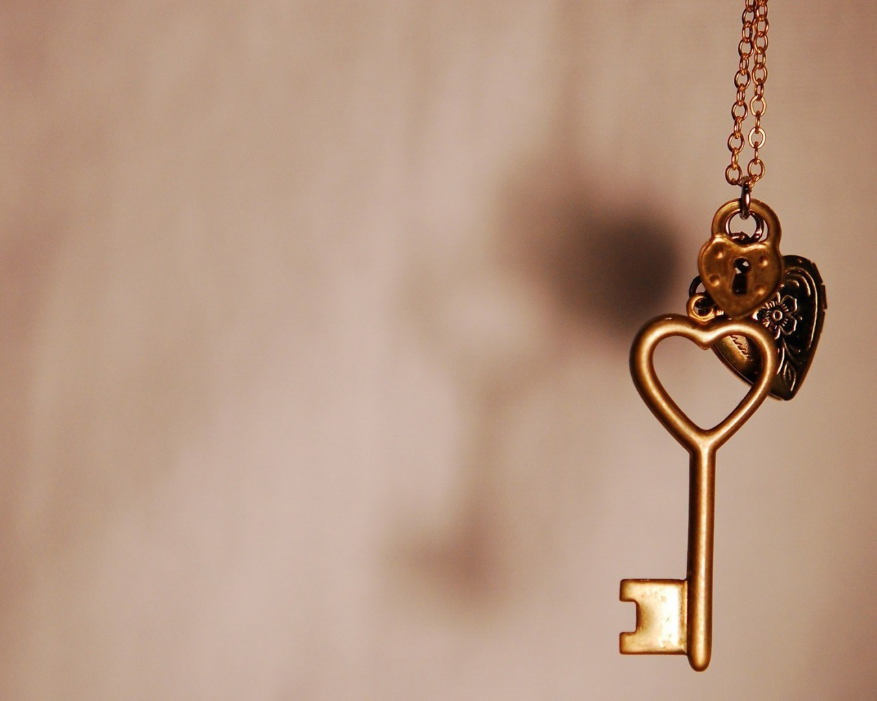 22482 download wallpaper Hearts, Objects, Love, Jewelry screensavers and pictures for free