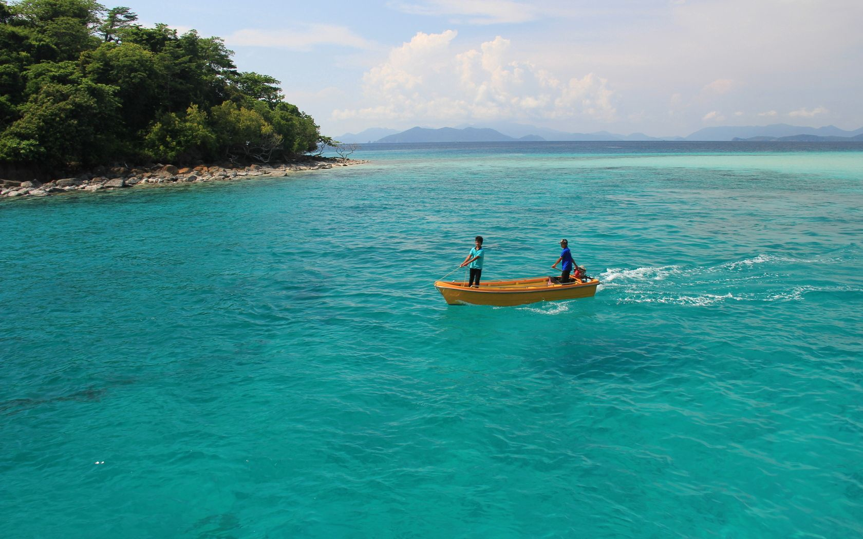 116036 Screensavers and Wallpapers Children for phone. Download Nature, Blue Water, Boat, Children, Thailand, Island pictures for free