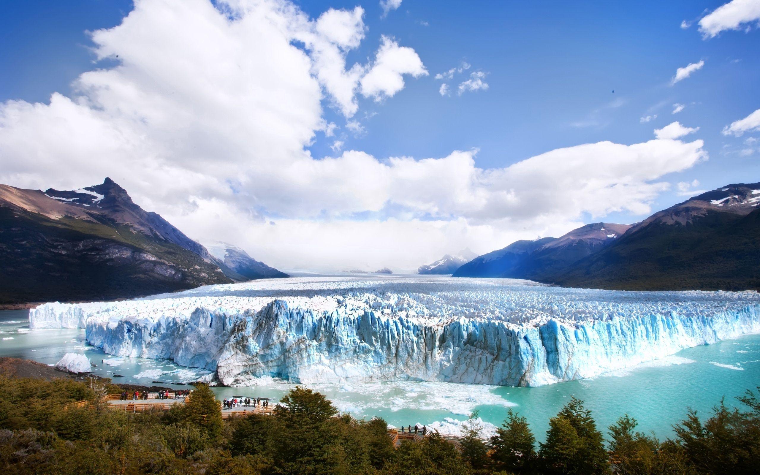 80933 скачать обои Природа, Ледник, Айсберг, Холод, Туристы, Глыбы, Экскурсия - заставки и картинки бесплатно