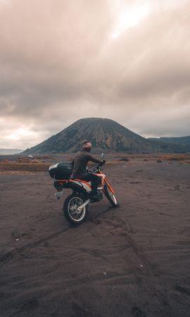 137126 télécharger le fond d'écran Moto, Motocycliste, Sable, Volcan, Motocyclette, Indonésie - économiseurs d'écran et images gratuitement