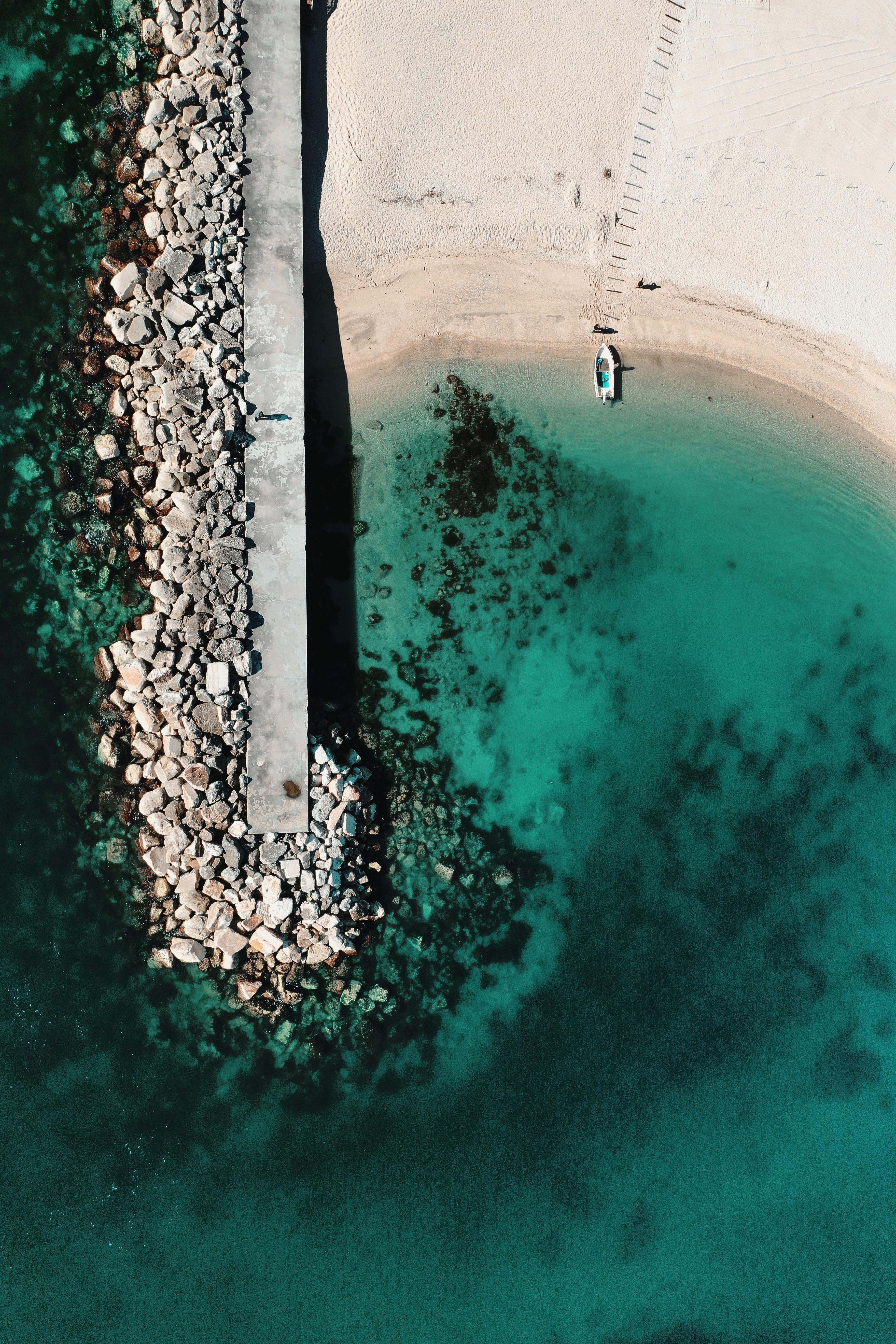 139204壁紙のダウンロード自然, ボート, 舟, 海, ビーチ, ストーンズ, 上から見る-スクリーンセーバーと写真を無料で
