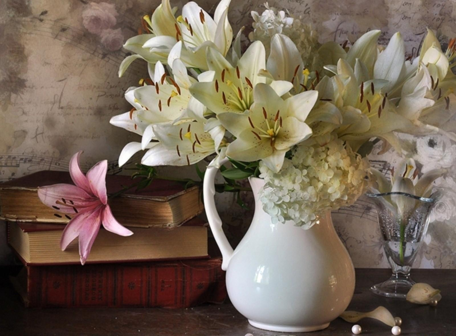 84681 download wallpaper Music, Flowers, Lilies, Books, Bouquet, Vase, Notes, Peas, Hydrangeas screensavers and pictures for free