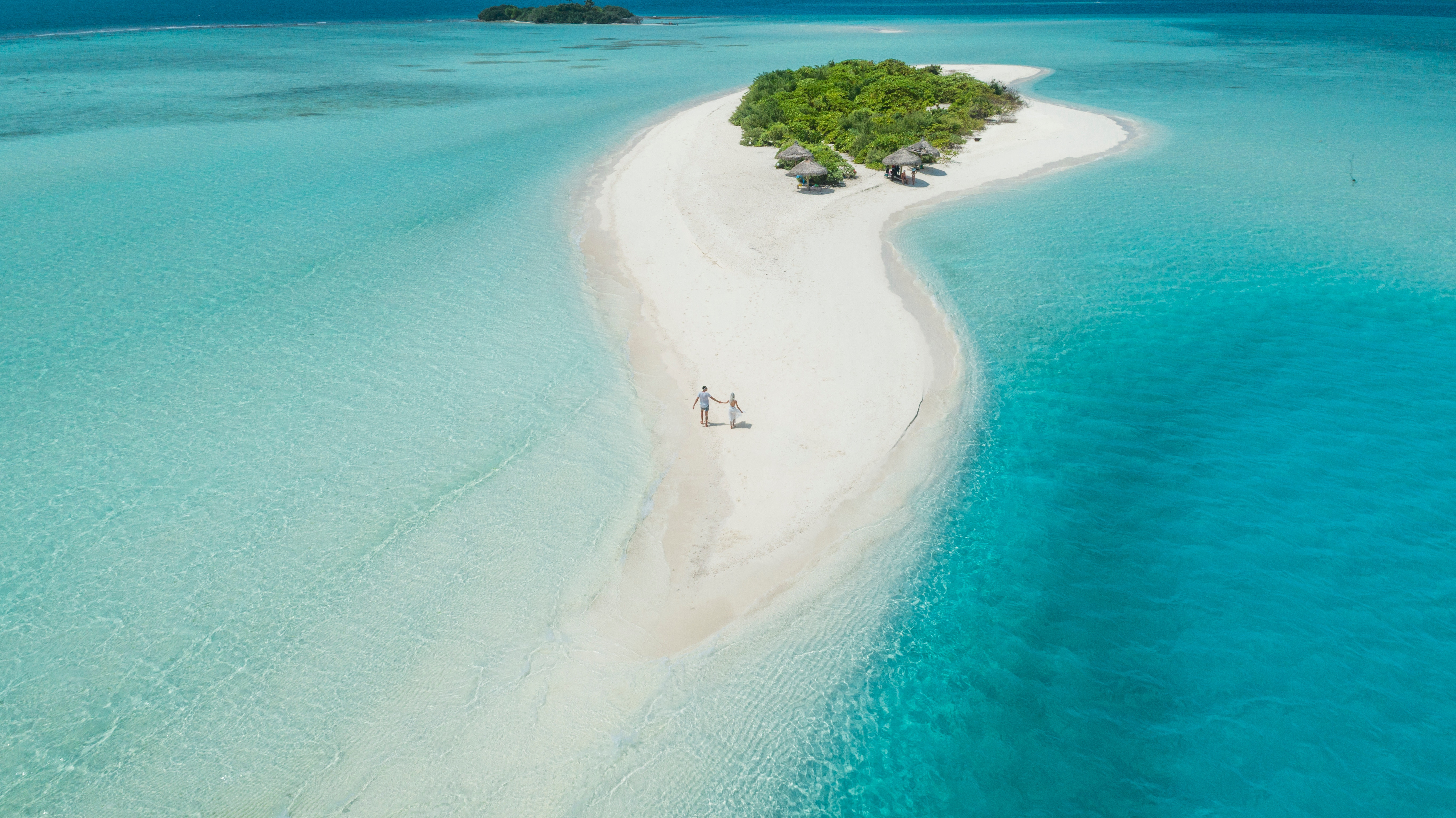 81114 Screensavers and Wallpapers Island for phone. Download Love, View From Above, Couple, Pair, Ocean, Romance, Island, Maldives pictures for free
