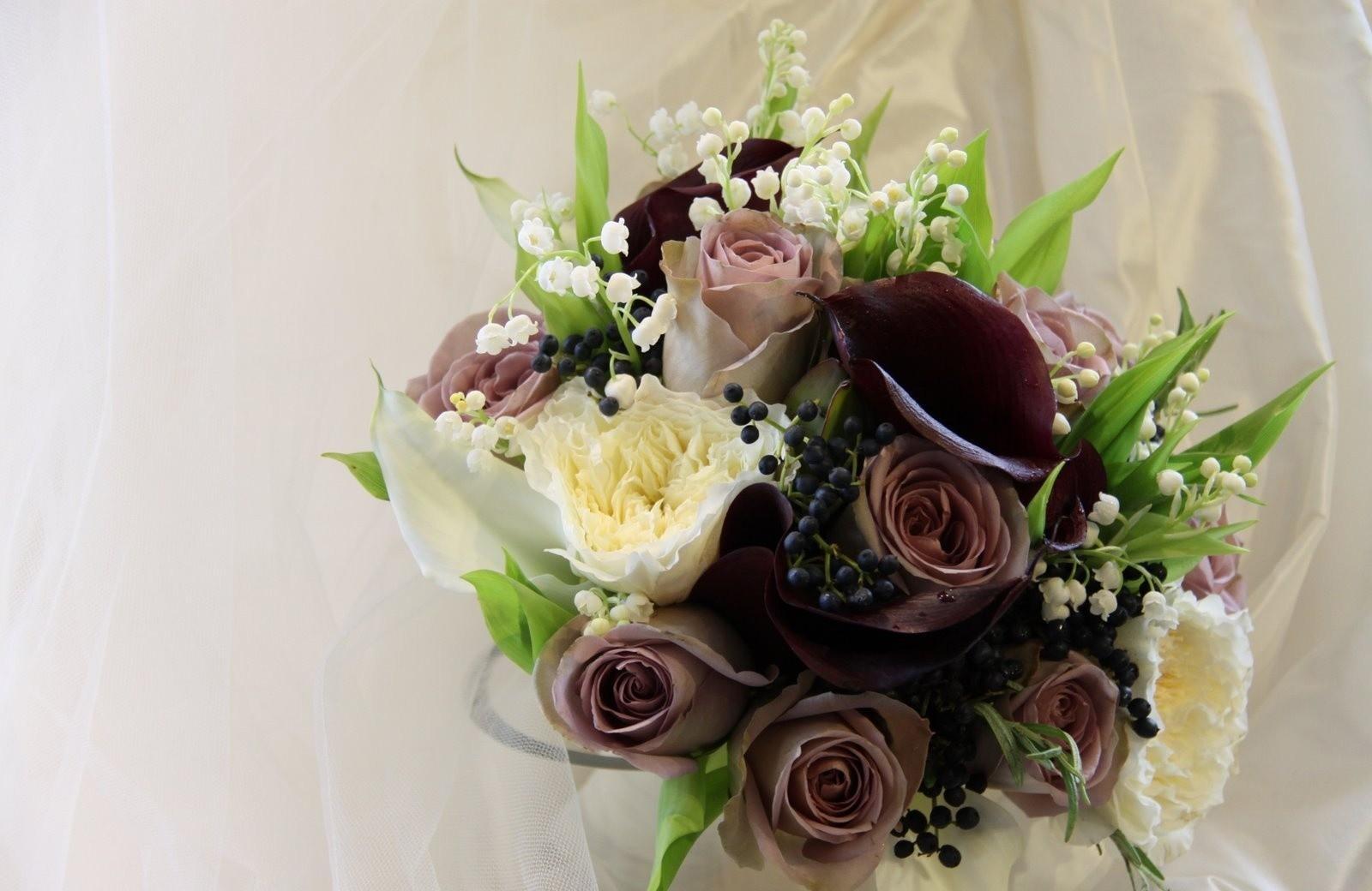 103836 免費下載壁紙 花卉, 浆果, 花束, 作品, 作文, 玫瑰, 铃兰 屏保和圖片