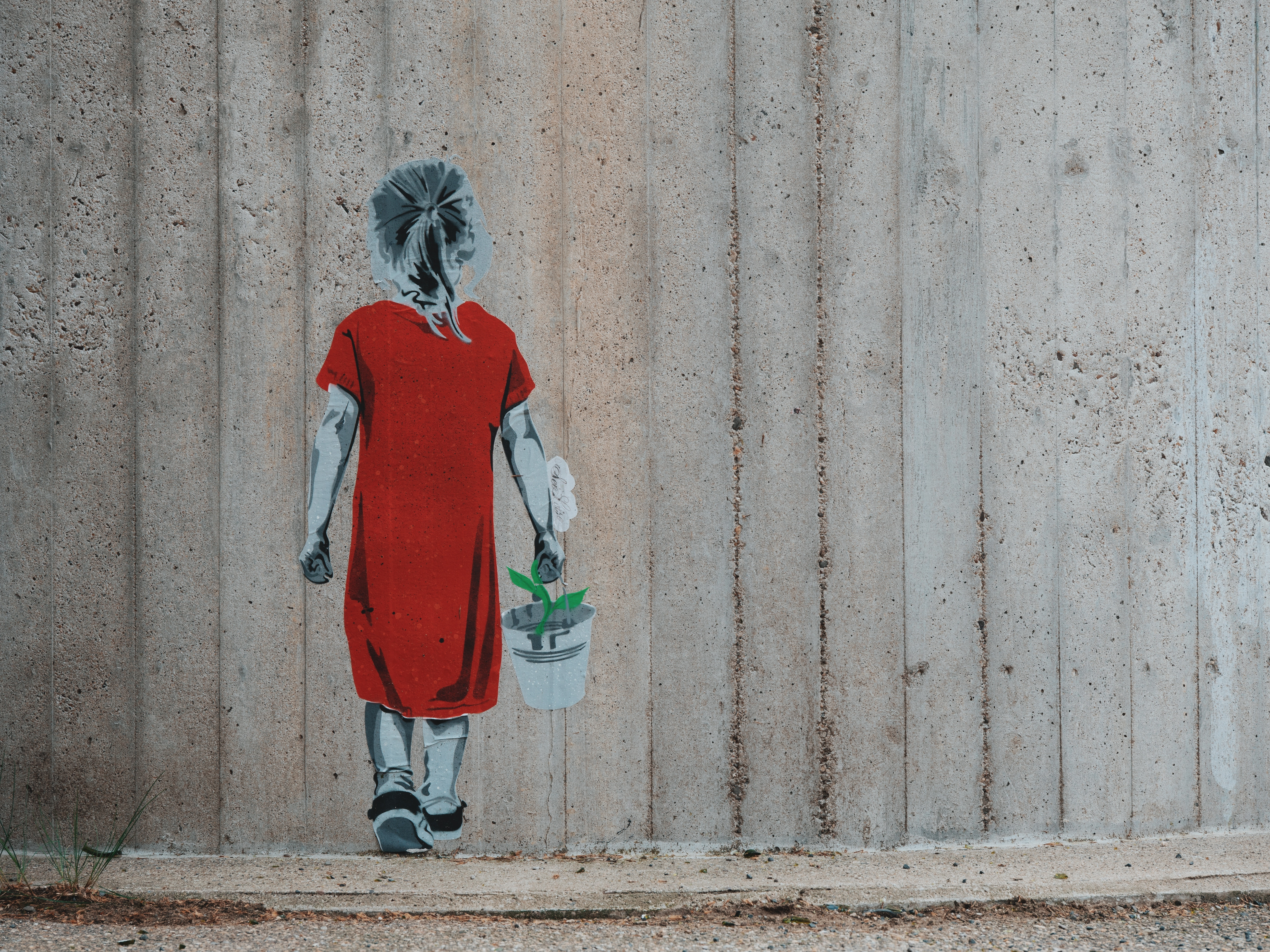 146277 скачать обои Арт, Граффити, Девочка, Цветок, Ведро, Стена, Стрит Арт - заставки и картинки бесплатно