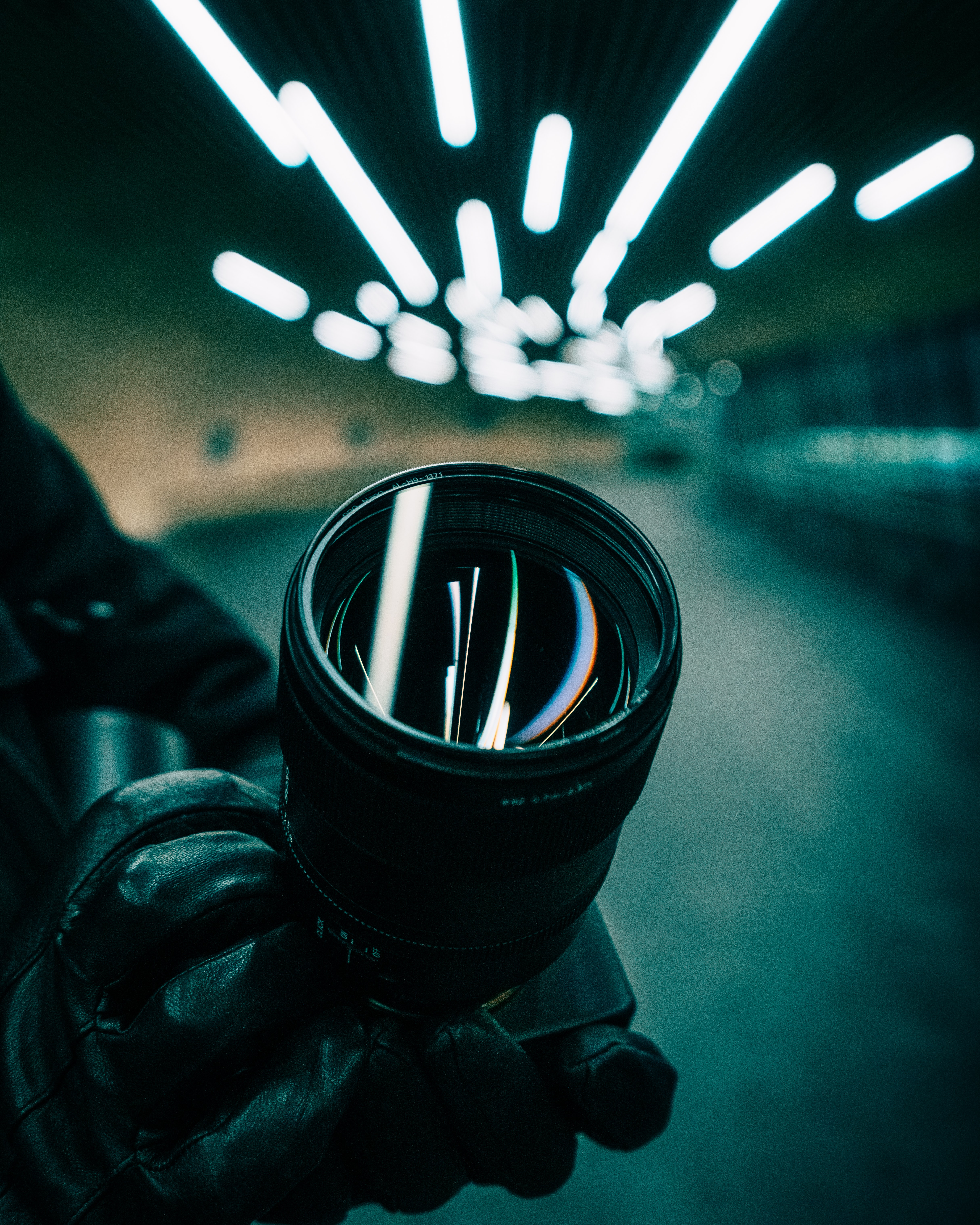 93694 download wallpaper Lens, Reflection, Miscellanea, Miscellaneous, Hands, Lamp, Camera, Lamps screensavers and pictures for free