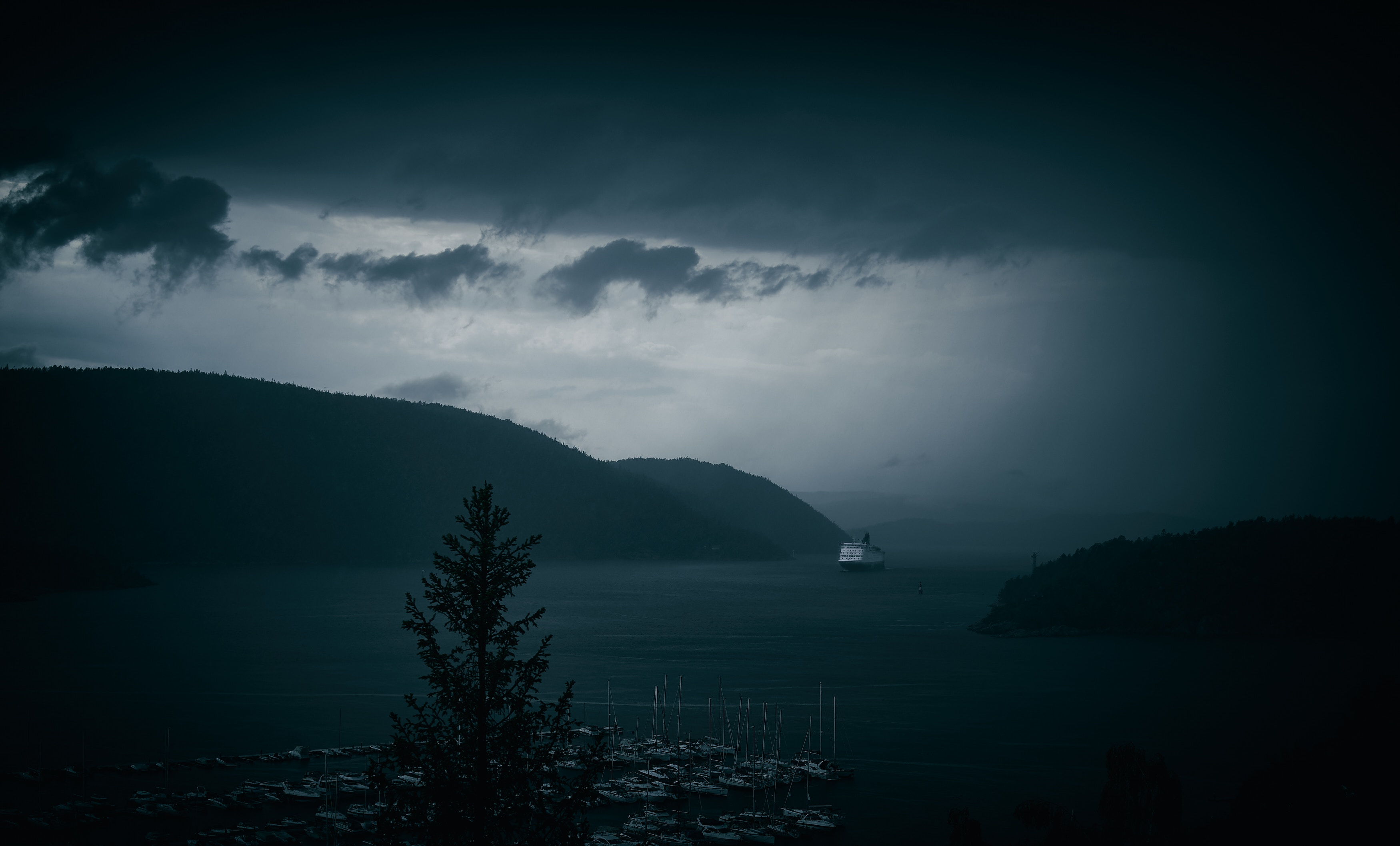 64686 download wallpaper Nature, Bay, Ships, Fog, Sea, Port, Dark screensavers and pictures for free