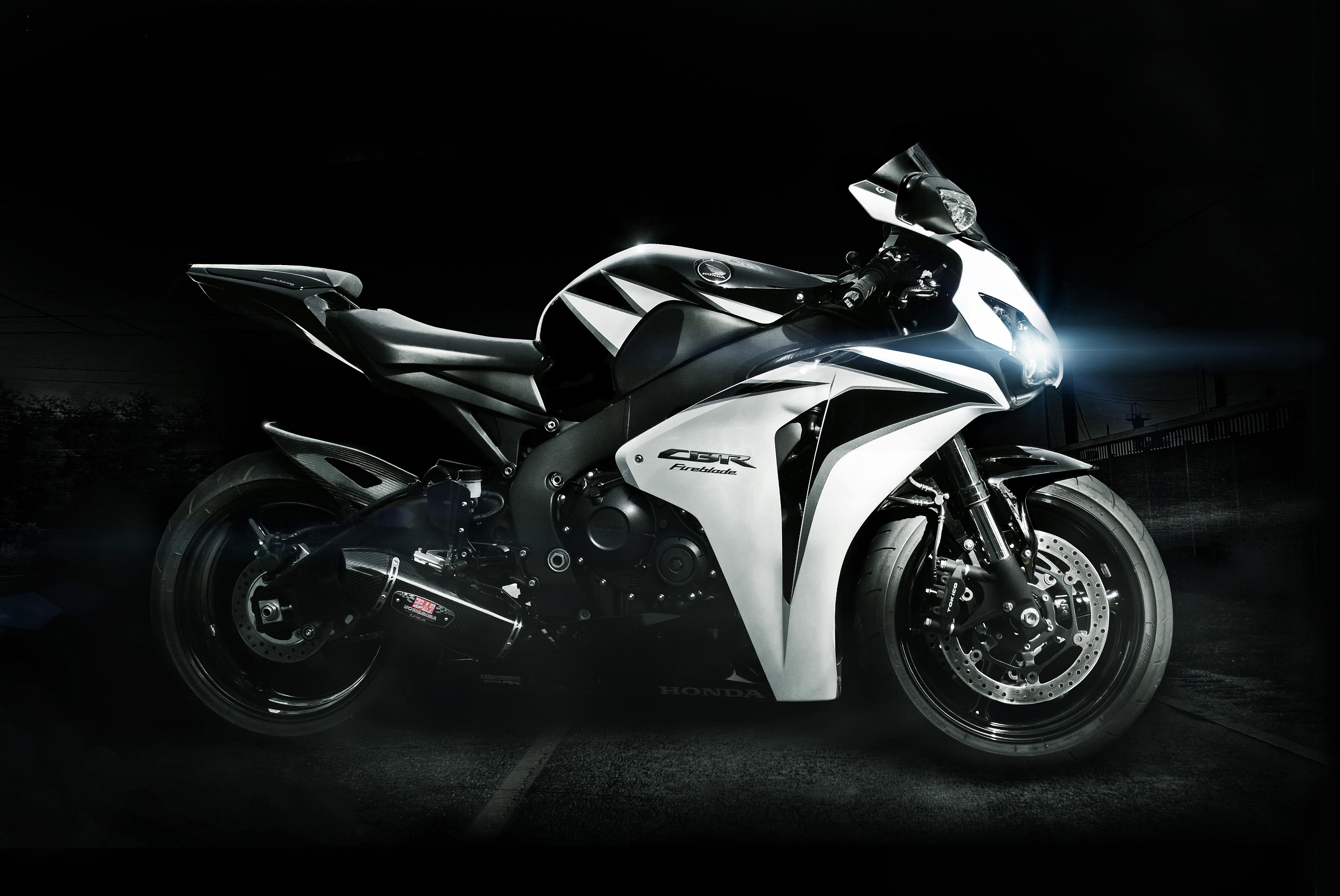68075 Заставки и Обои Фары на телефон. Скачать Мотоциклы, Хонда (Honda), Белый, Фары, Cbr, Чёрный, Fireblade картинки бесплатно