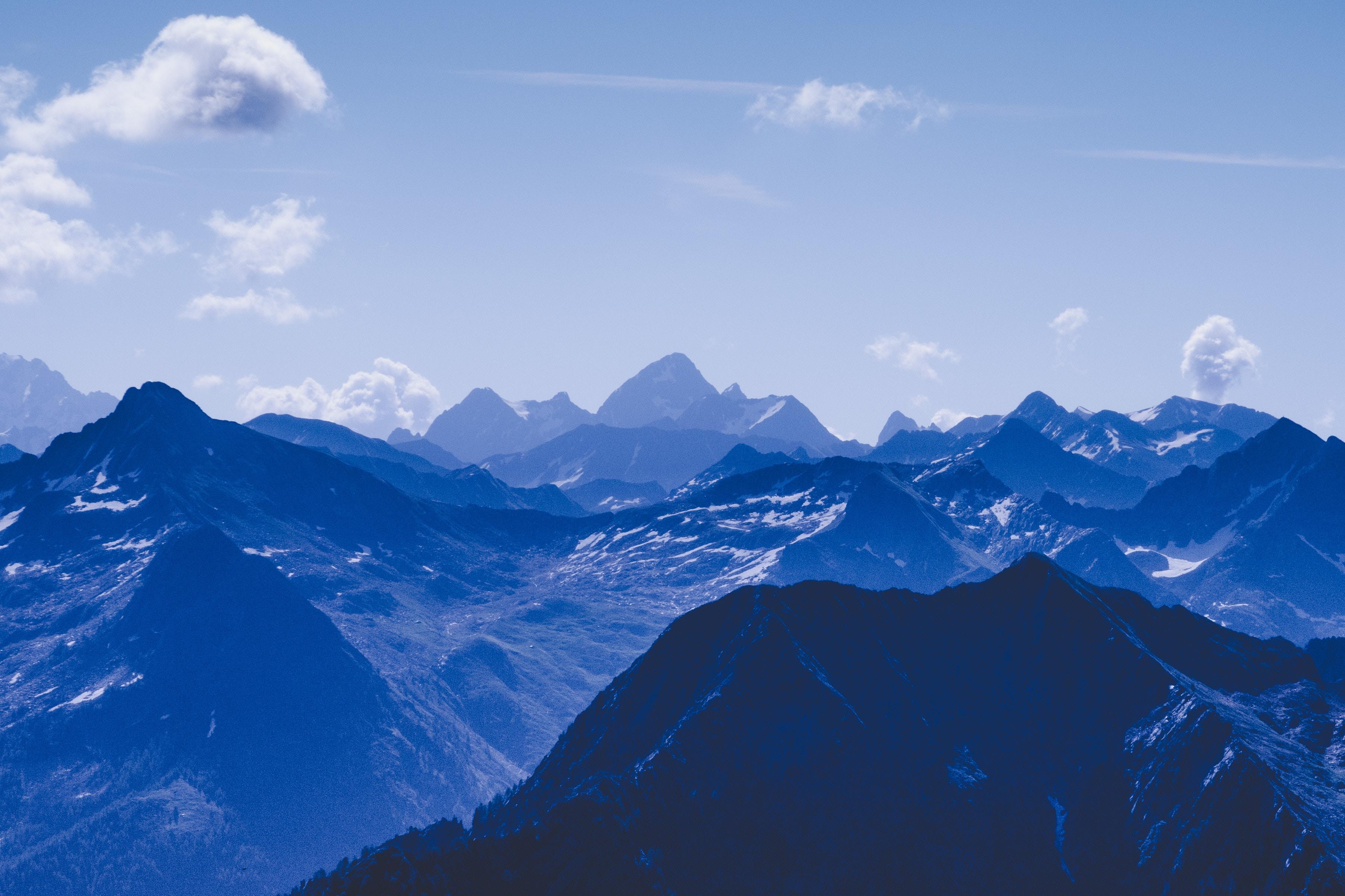 91303 скачать обои Синий, Природа, Небо, Горы, Облака, Вершины - заставки и картинки бесплатно