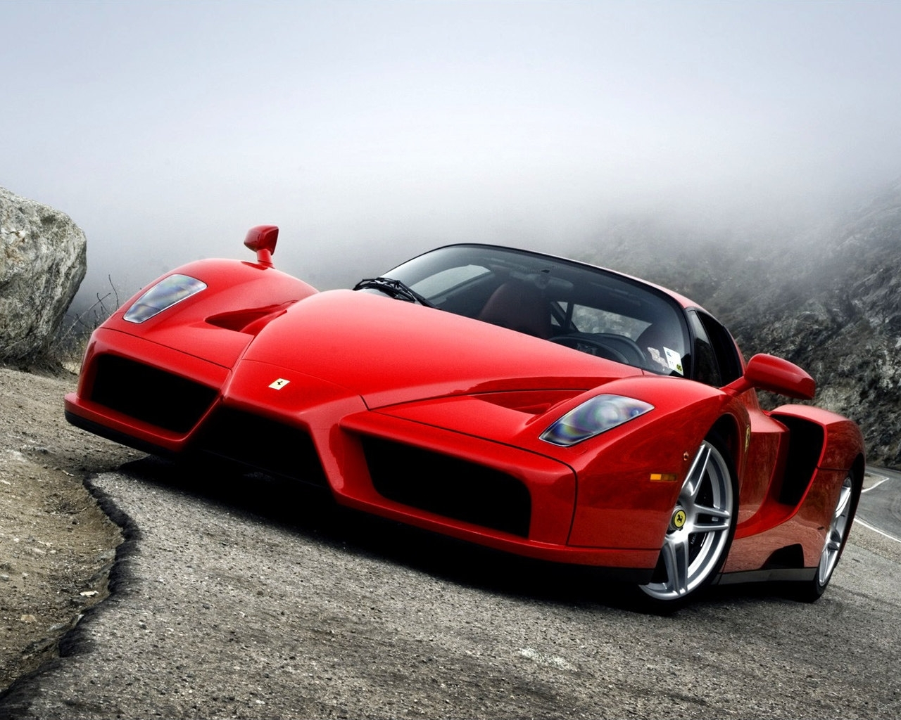 2498 download wallpaper Transport, Auto, Ferrari screensavers and pictures for free