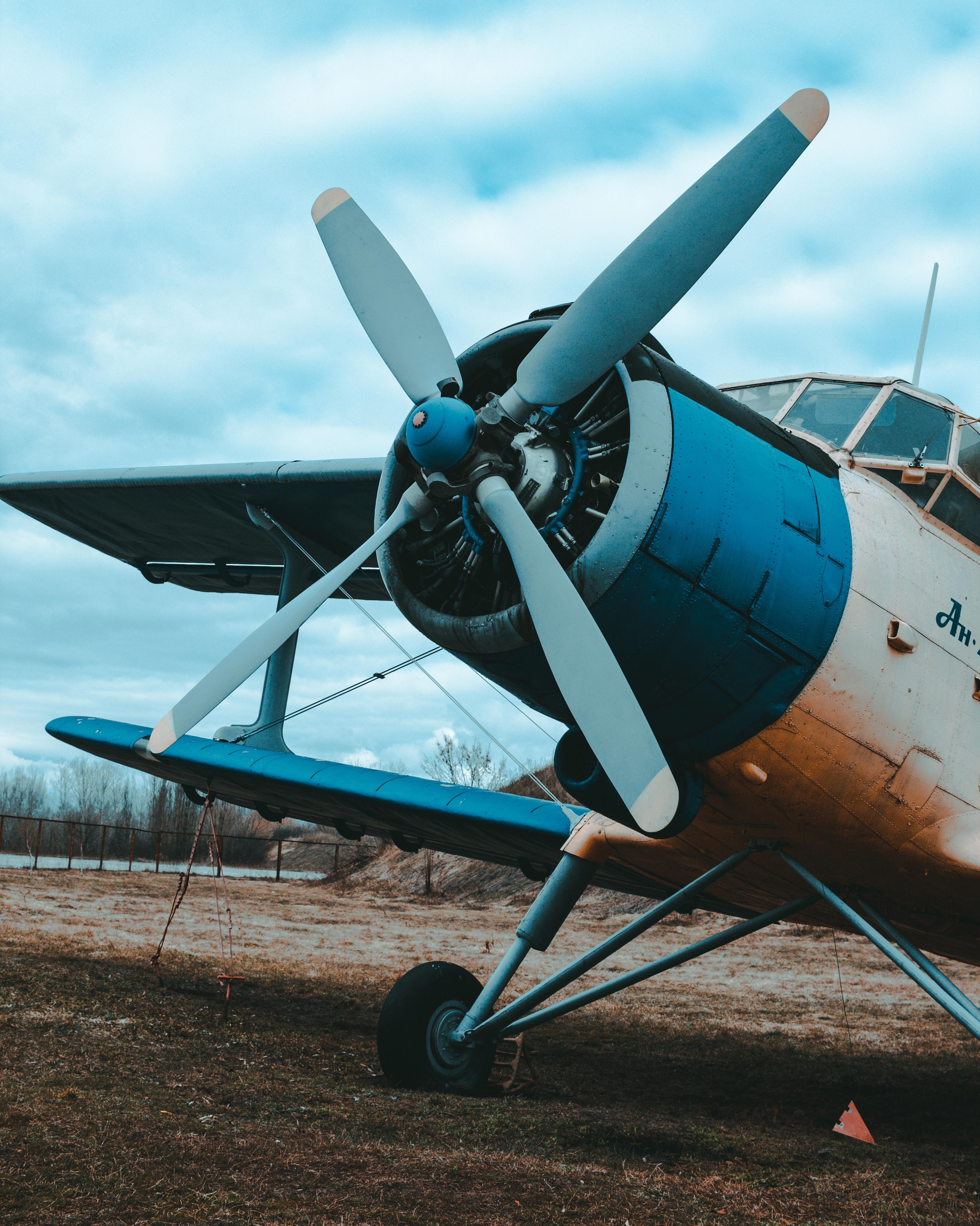 110657 Hintergrundbild herunterladen Flugzeuge, Verschiedenes, Sonstige, Flugzeug, Propeller, Doppeldecker - Bildschirmschoner und Bilder kostenlos