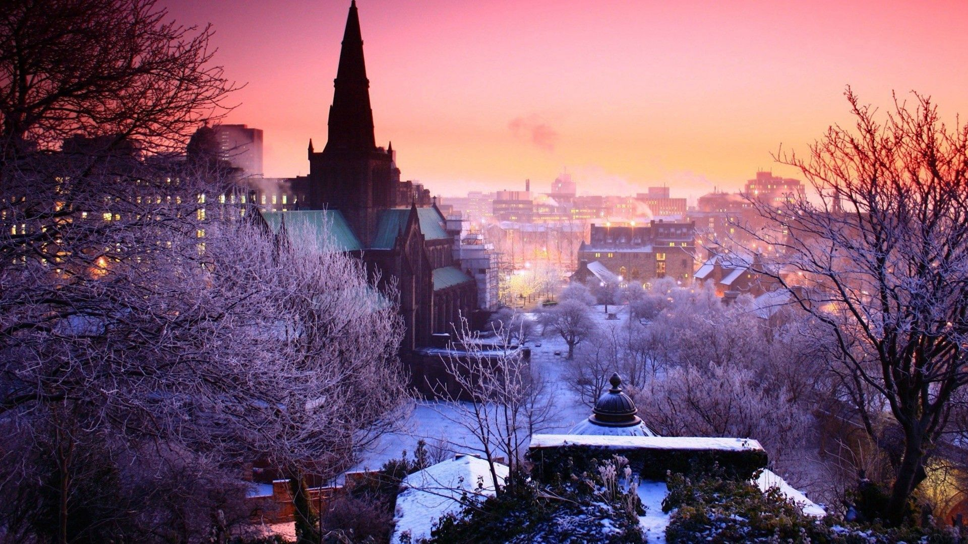 55895壁紙のダウンロード市, 都市, イブニング, 夕方, 冬, スカイ, 木-スクリーンセーバーと写真を無料で