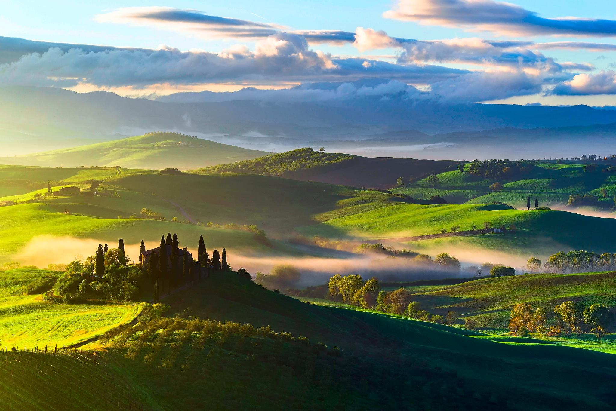 64274 Hintergrundbild herunterladen Natur, Bäume, Felder, Italien, Blick Von Oben, Nebel, Toskana - Bildschirmschoner und Bilder kostenlos