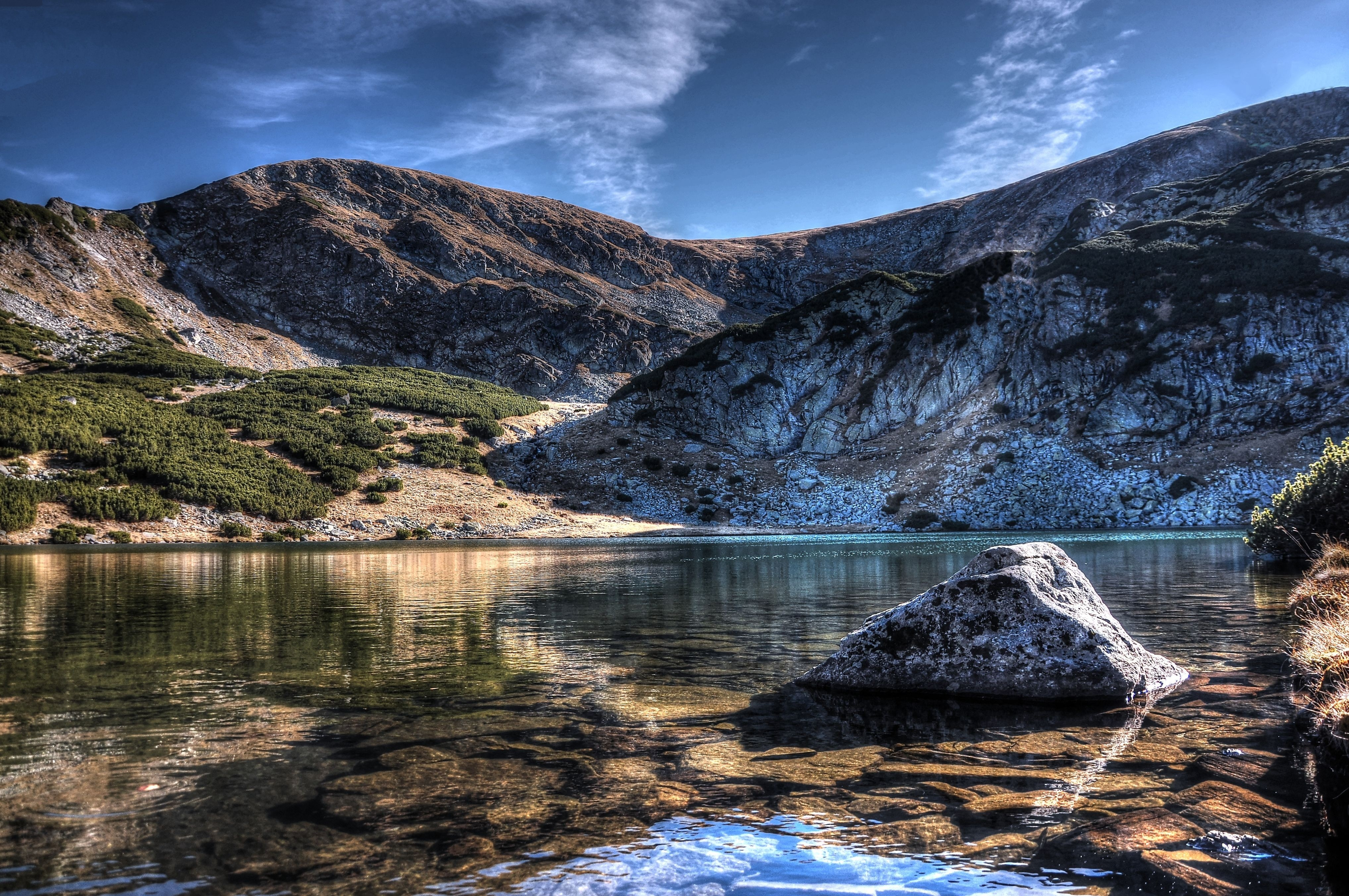 113945 download wallpaper Lake, Landscape, Nature, Sky, Mountains screensavers and pictures for free
