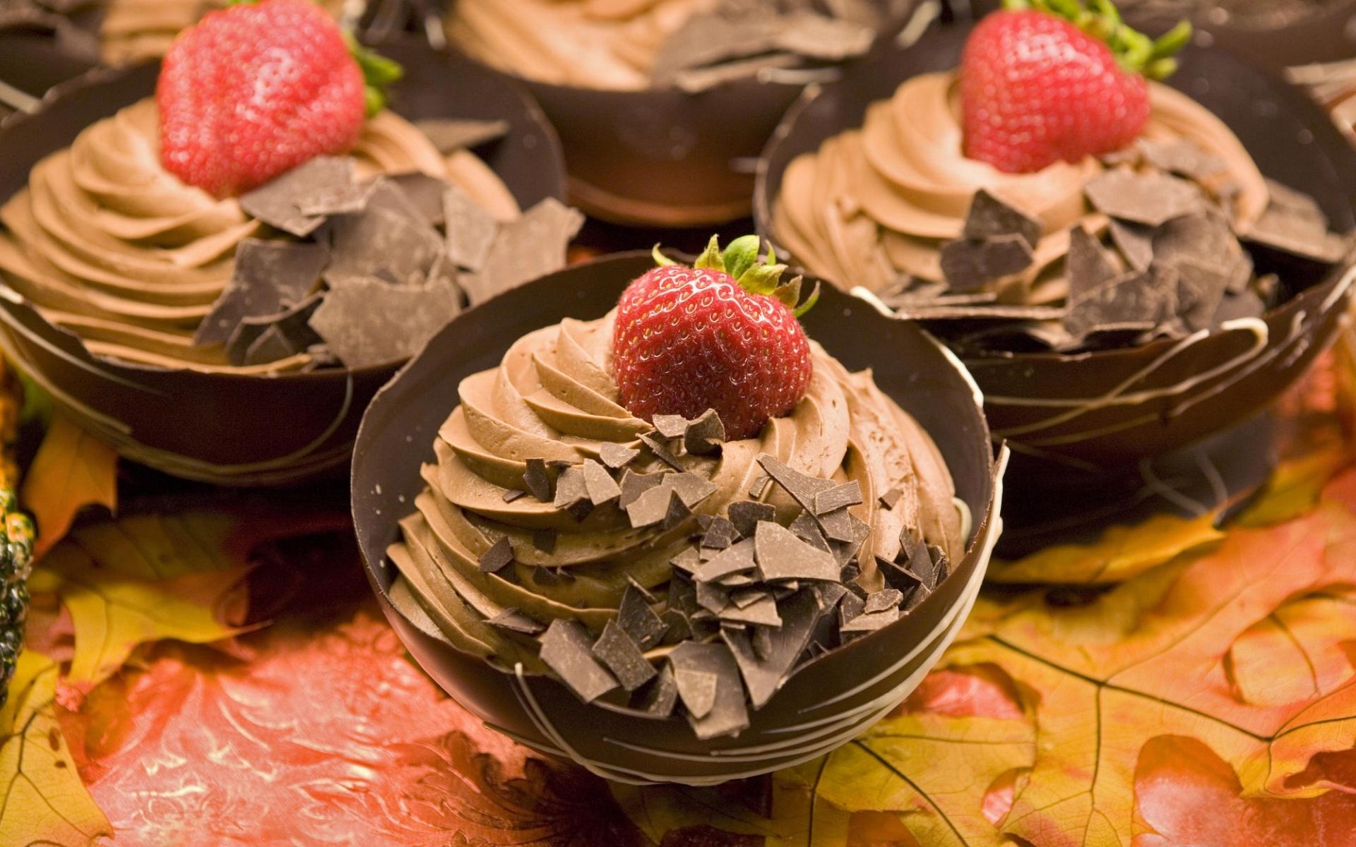 159 скачать обои Фрукты, Еда, Клубника, Десерты, Шоколад - заставки и картинки бесплатно