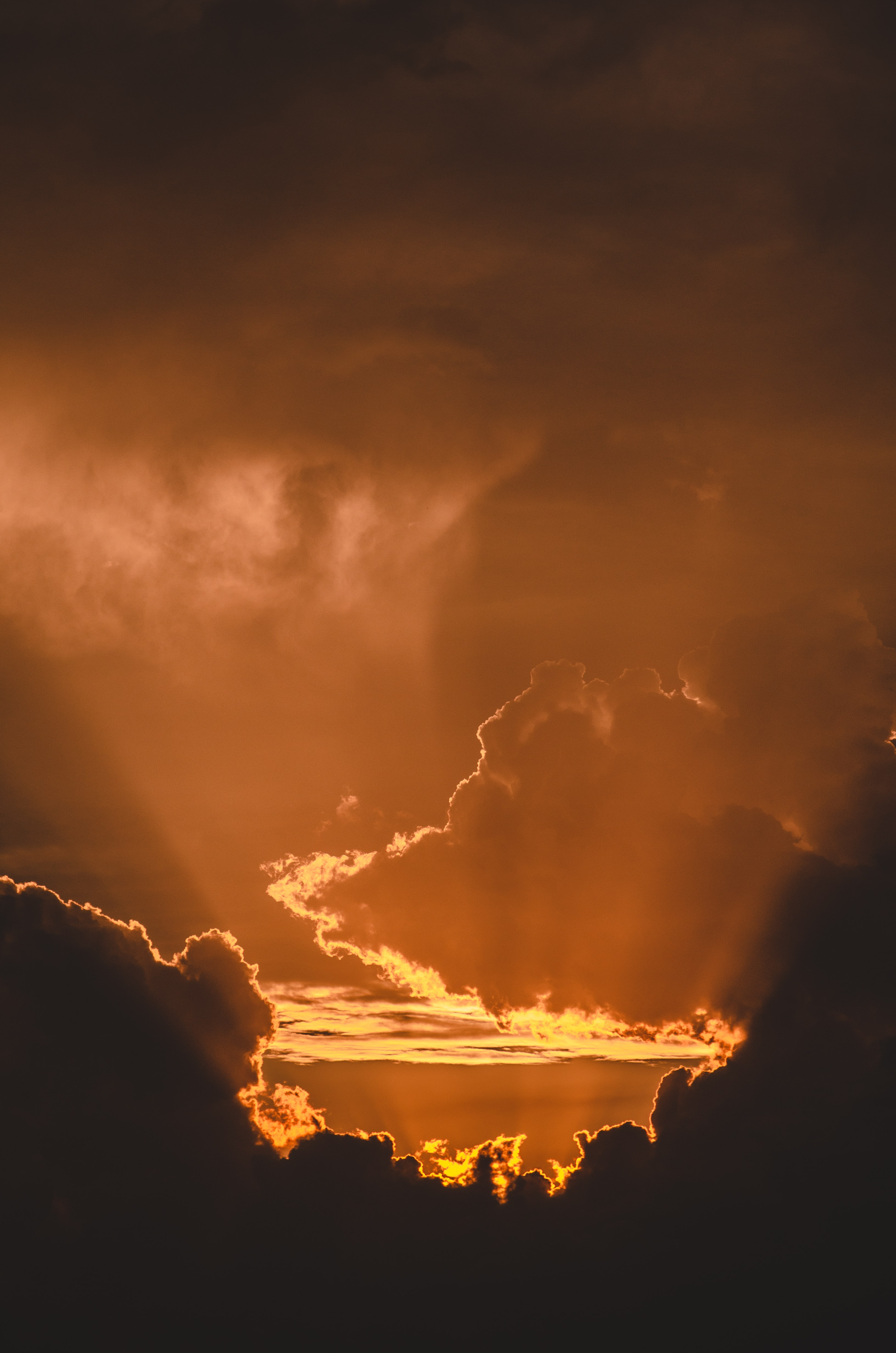 120984 download wallpaper Nature, Sunset, Horizon, Glare, Clouds, Sun screensavers and pictures for free