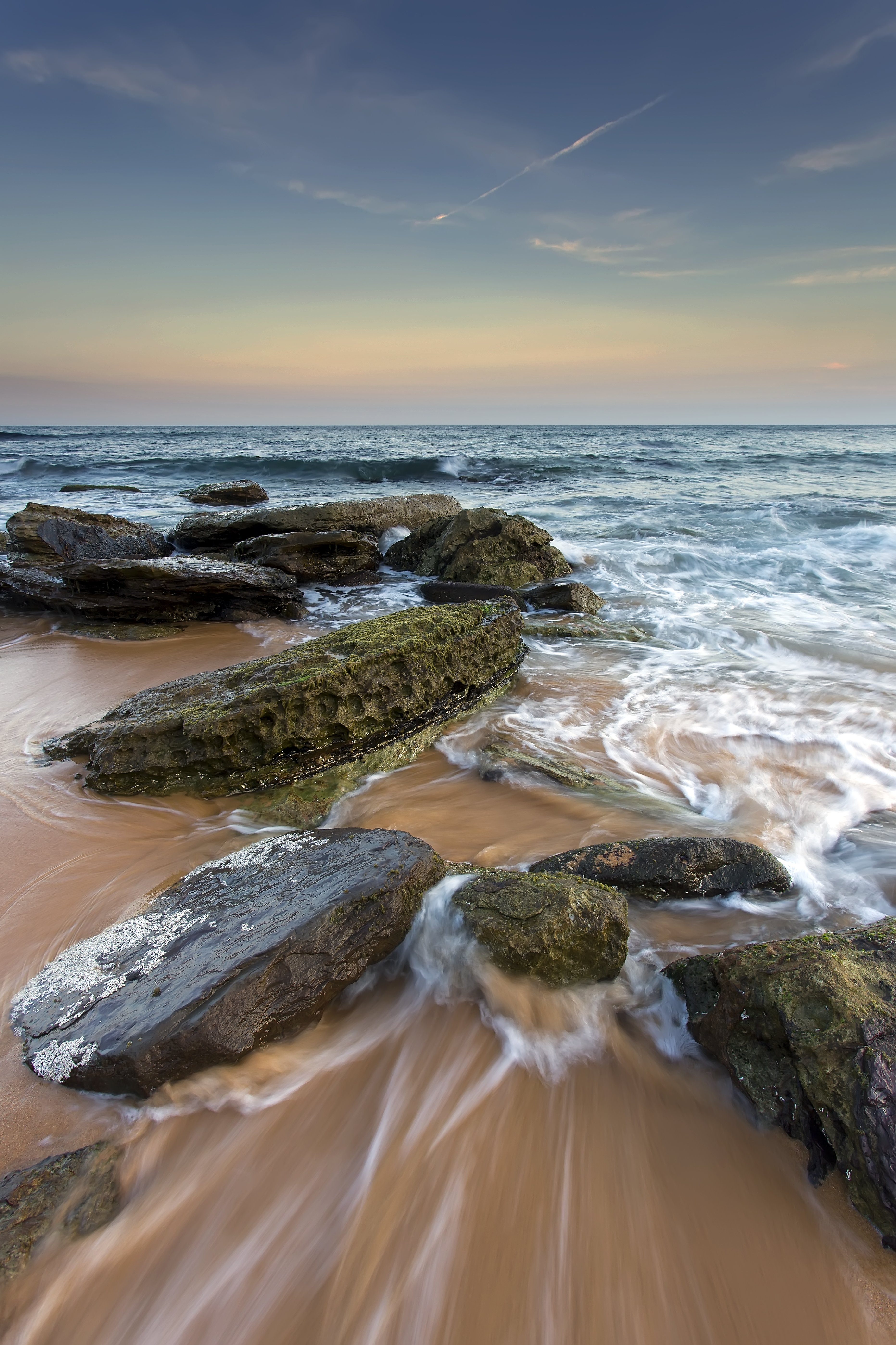 145114 download wallpaper Nature, Sea, Stones, Beach, Horizon, Tide, High Tide screensavers and pictures for free
