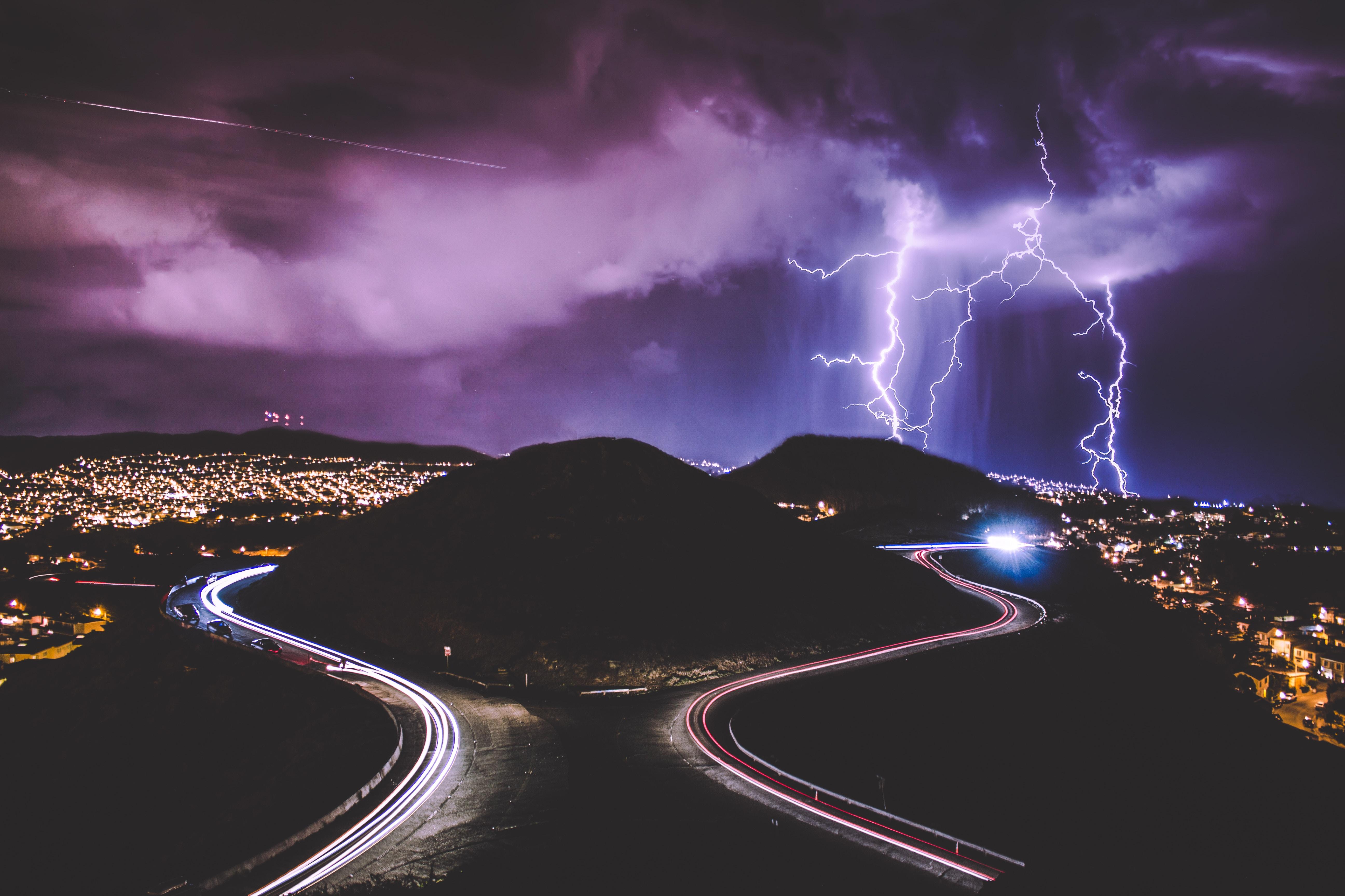92777 Заставки и Обои Молния на телефон. Скачать Города, Ночь, Город, Дорога, Молния картинки бесплатно