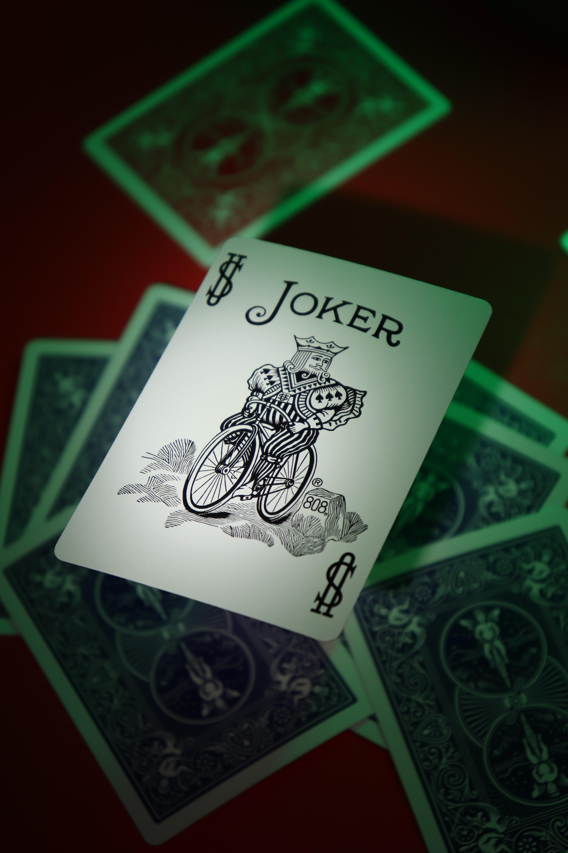 113368 Hintergrundbild herunterladen Wort, Joker, Die Wörter, Wörter, Inschrift, Karten - Bildschirmschoner und Bilder kostenlos